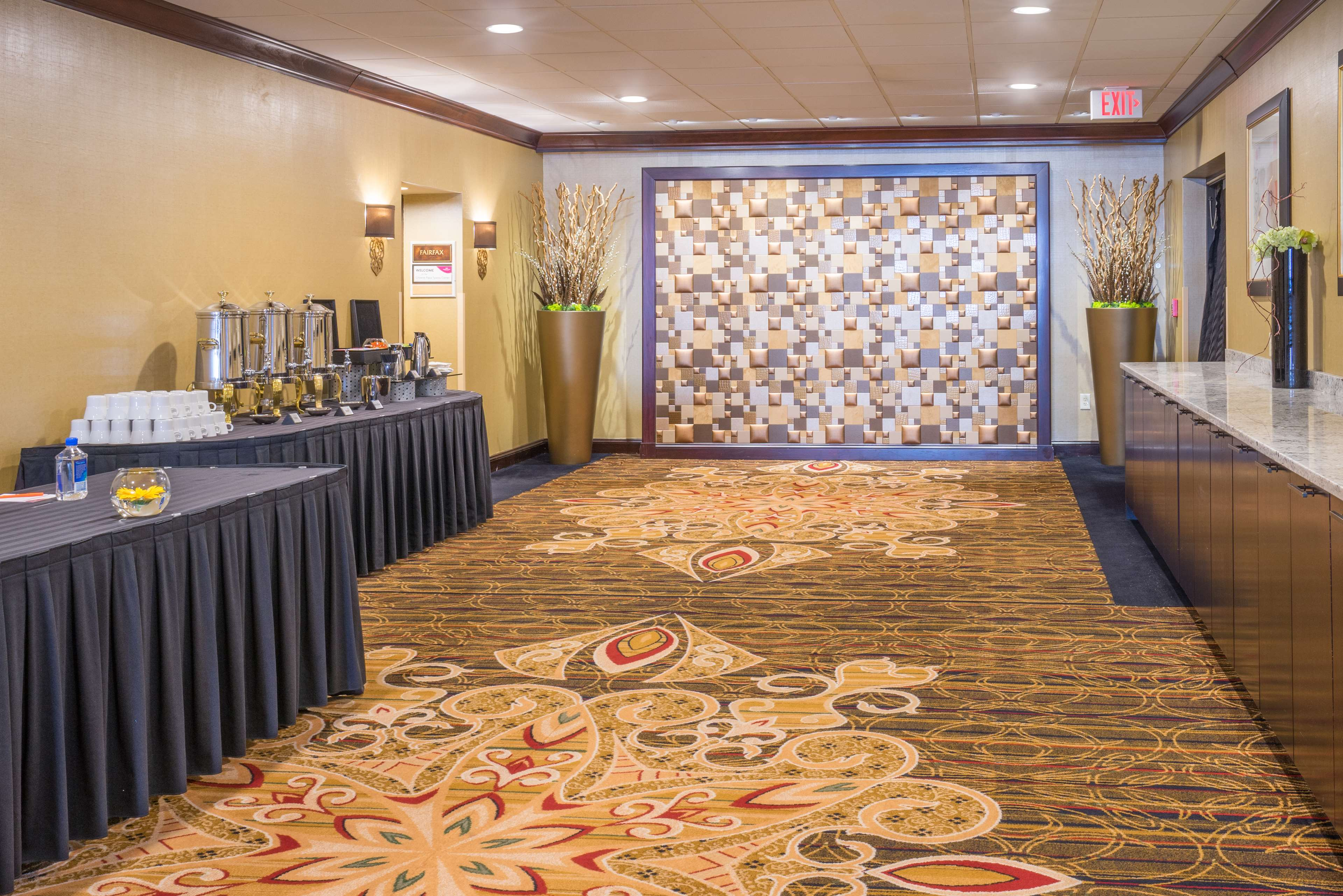 DoubleTree by Hilton McLean Tysons image 31