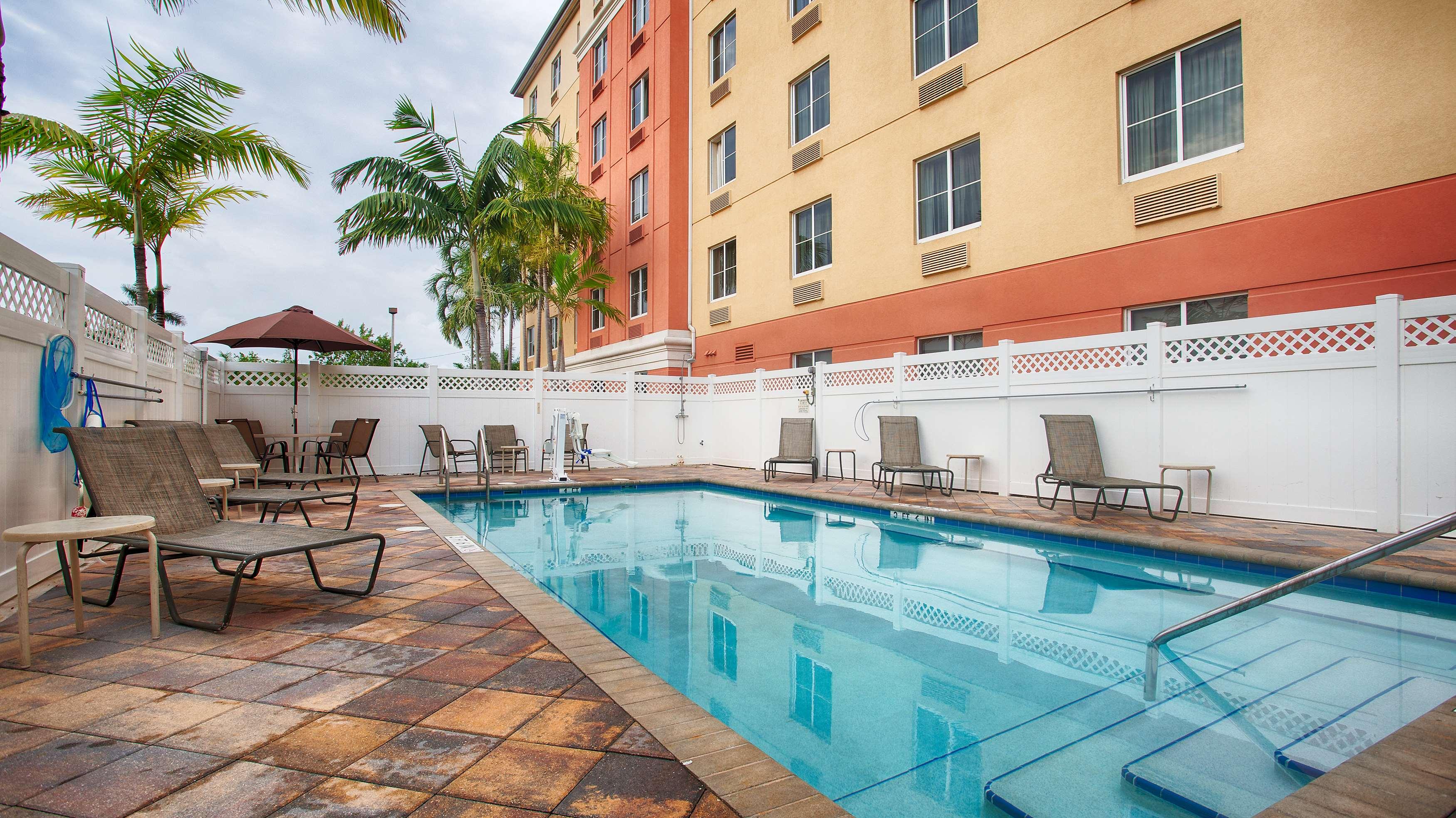 Best Western Plus Fort Lauderdale Airport South Inn & Suites image 6