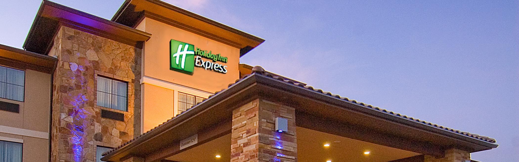 Holiday Inn Express Marble Falls image 0