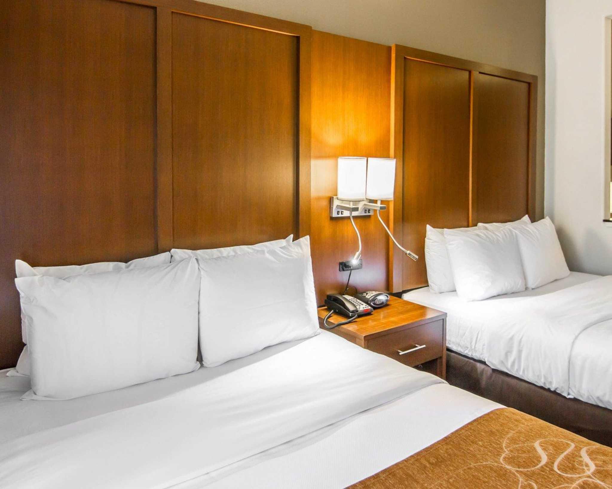 Comfort Suites Marshall image 33