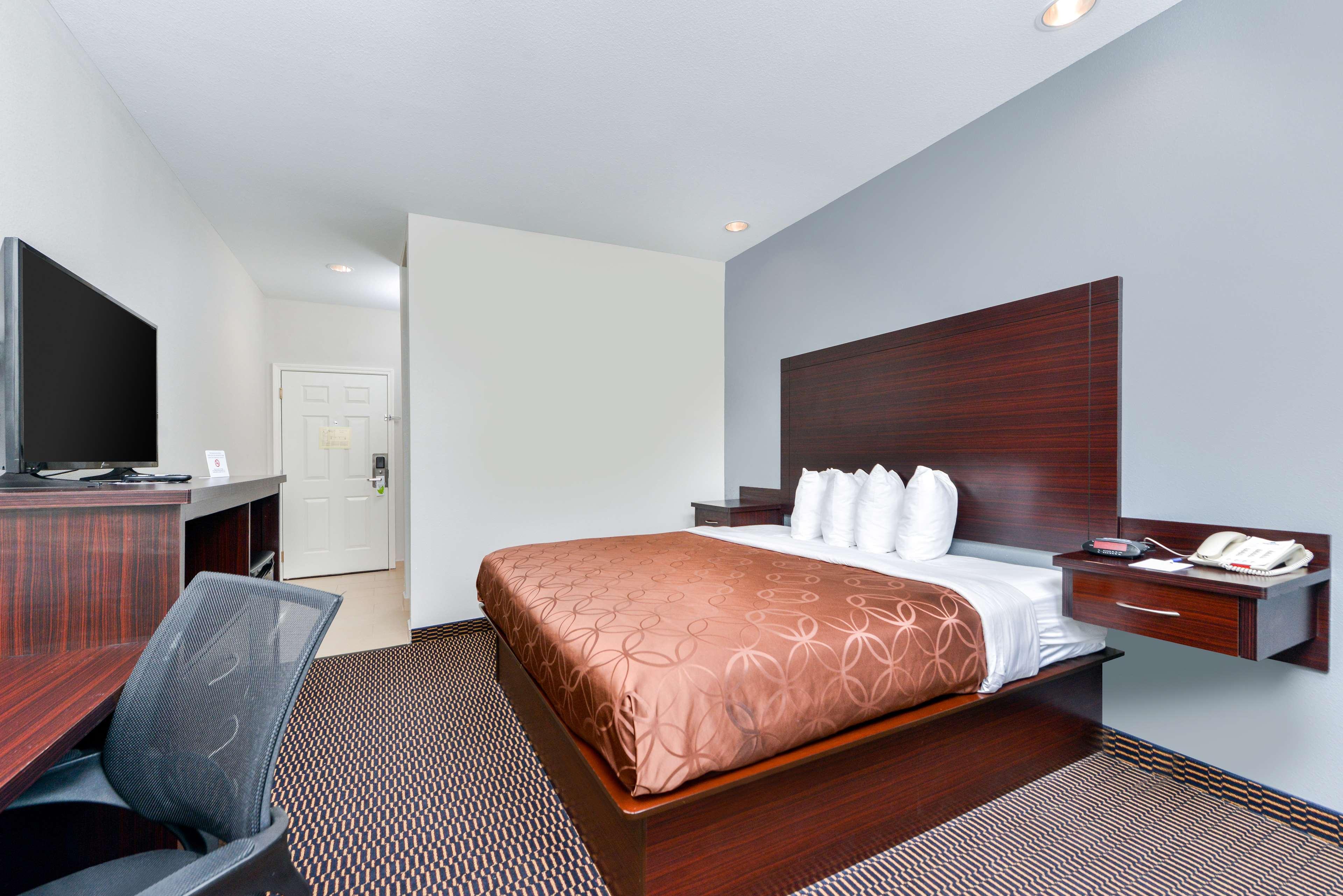 Americas Best Value Inn - Baton Rouge / College Drive image 6
