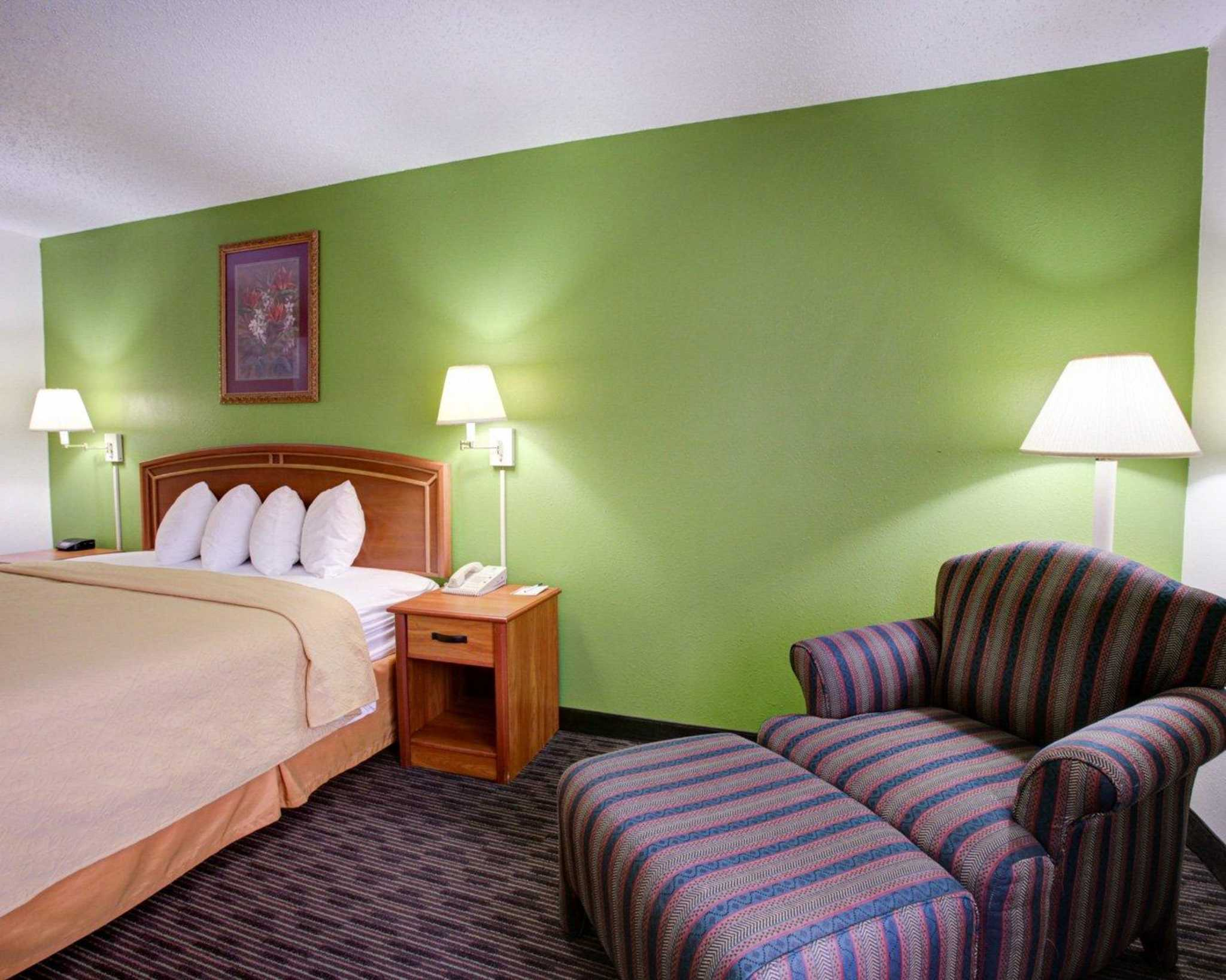 Quality Inn & Suites Airport image 5