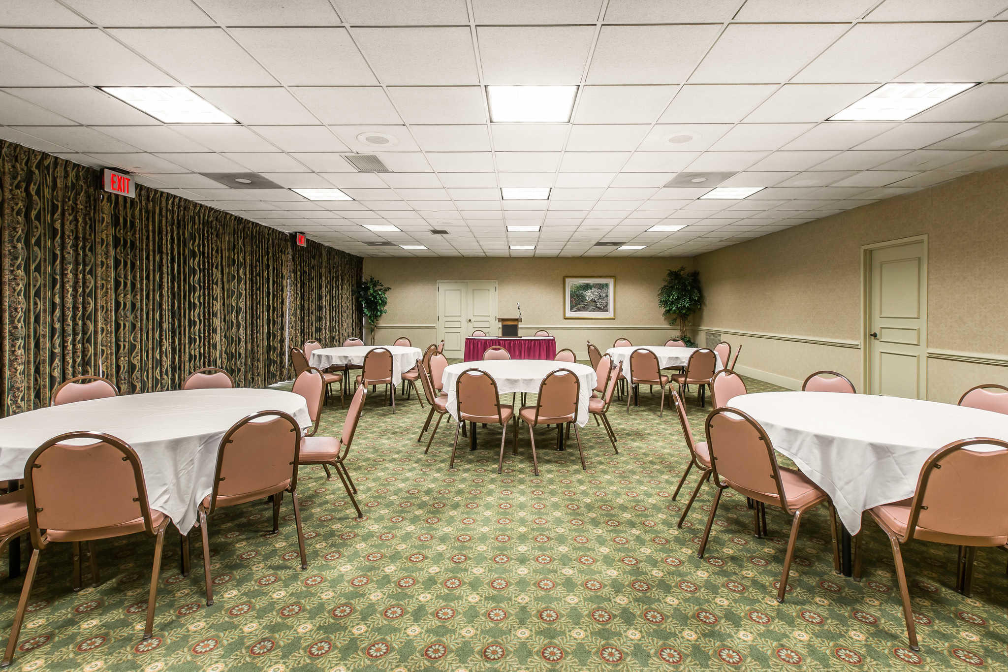 Quality Inn & Suites Conference Center image 31