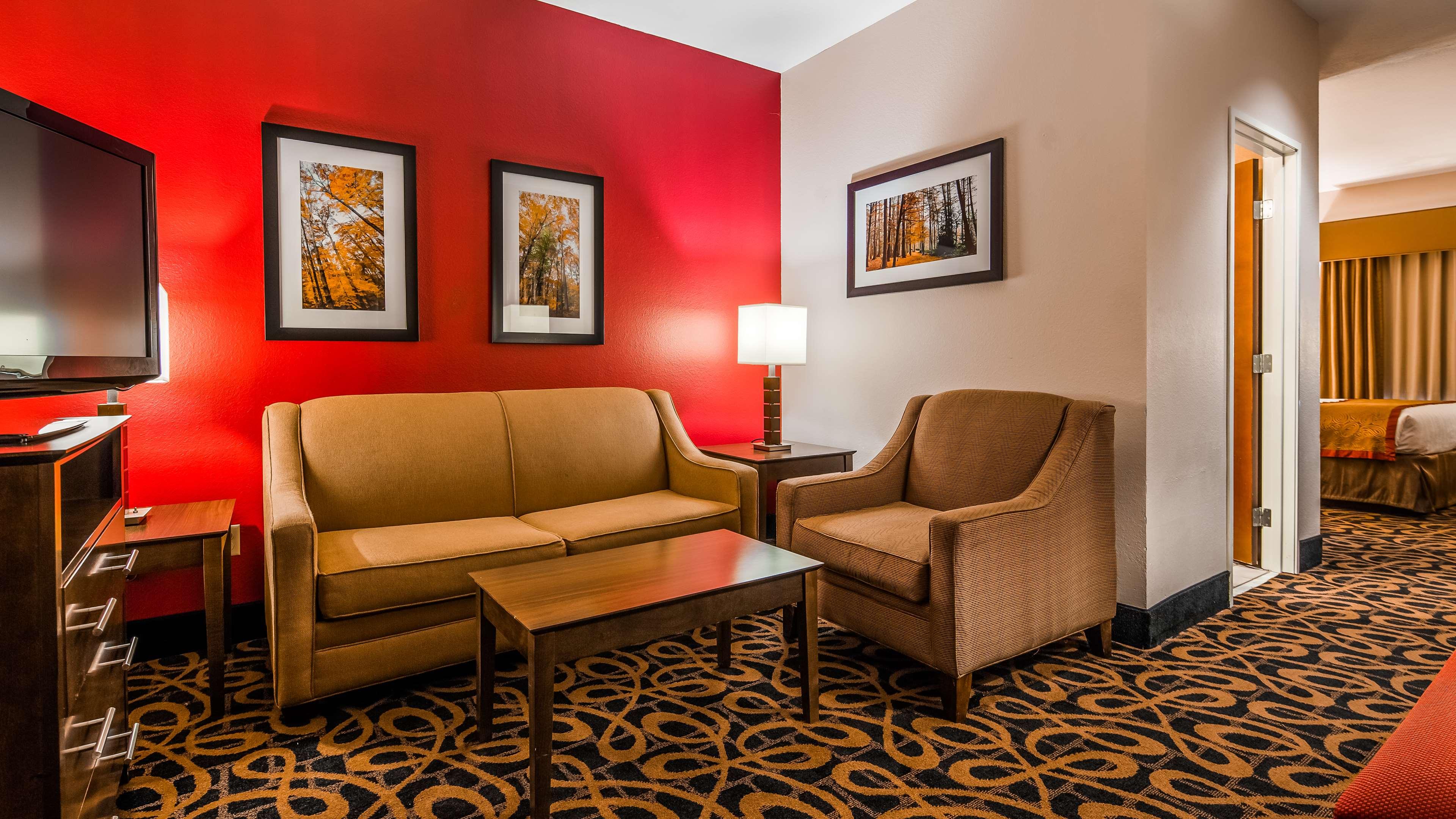 Best Western Plus Brandywine Inn & Suites image 8