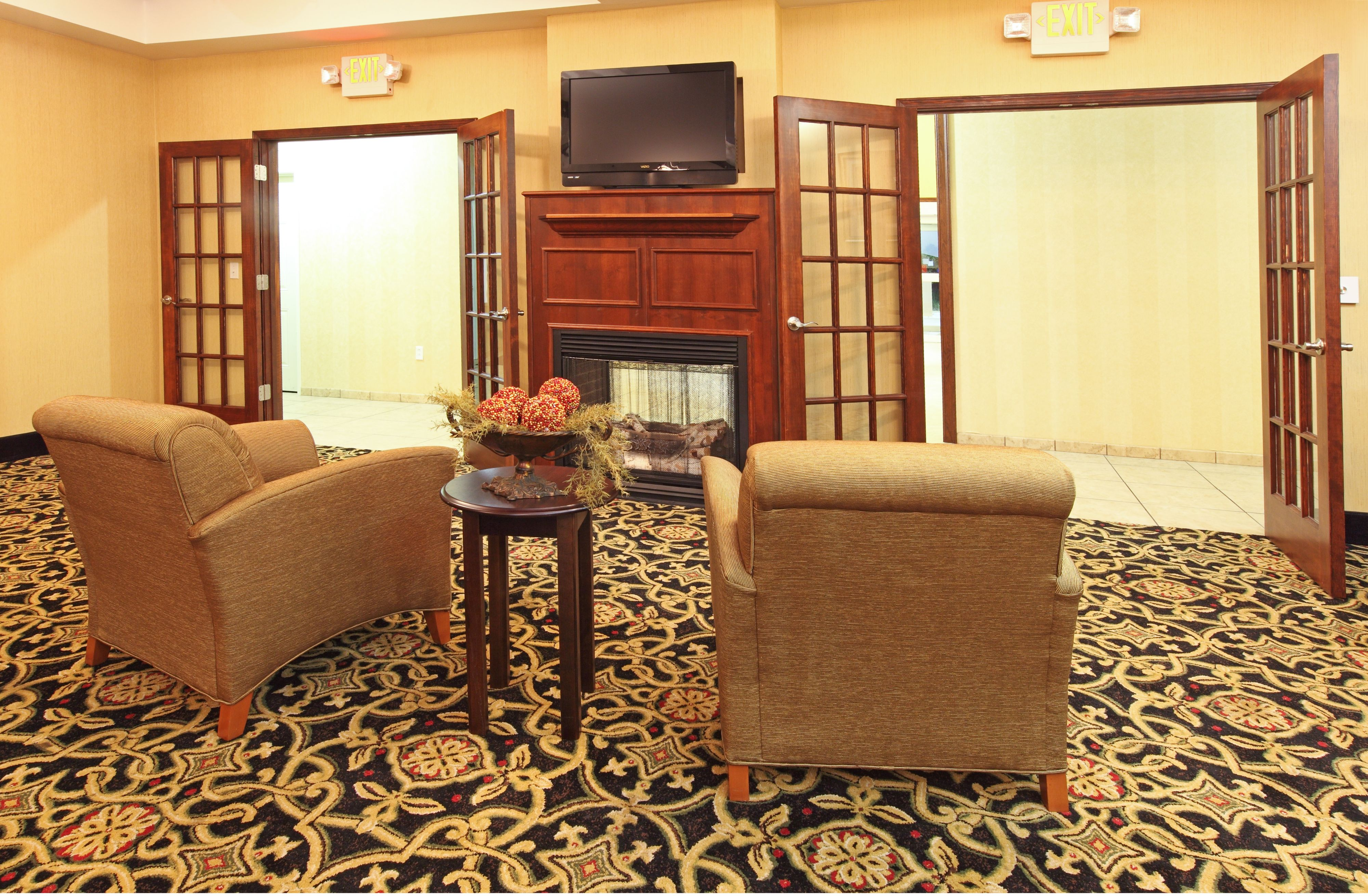 Holiday Inn Express & Suites Clarksville image 5