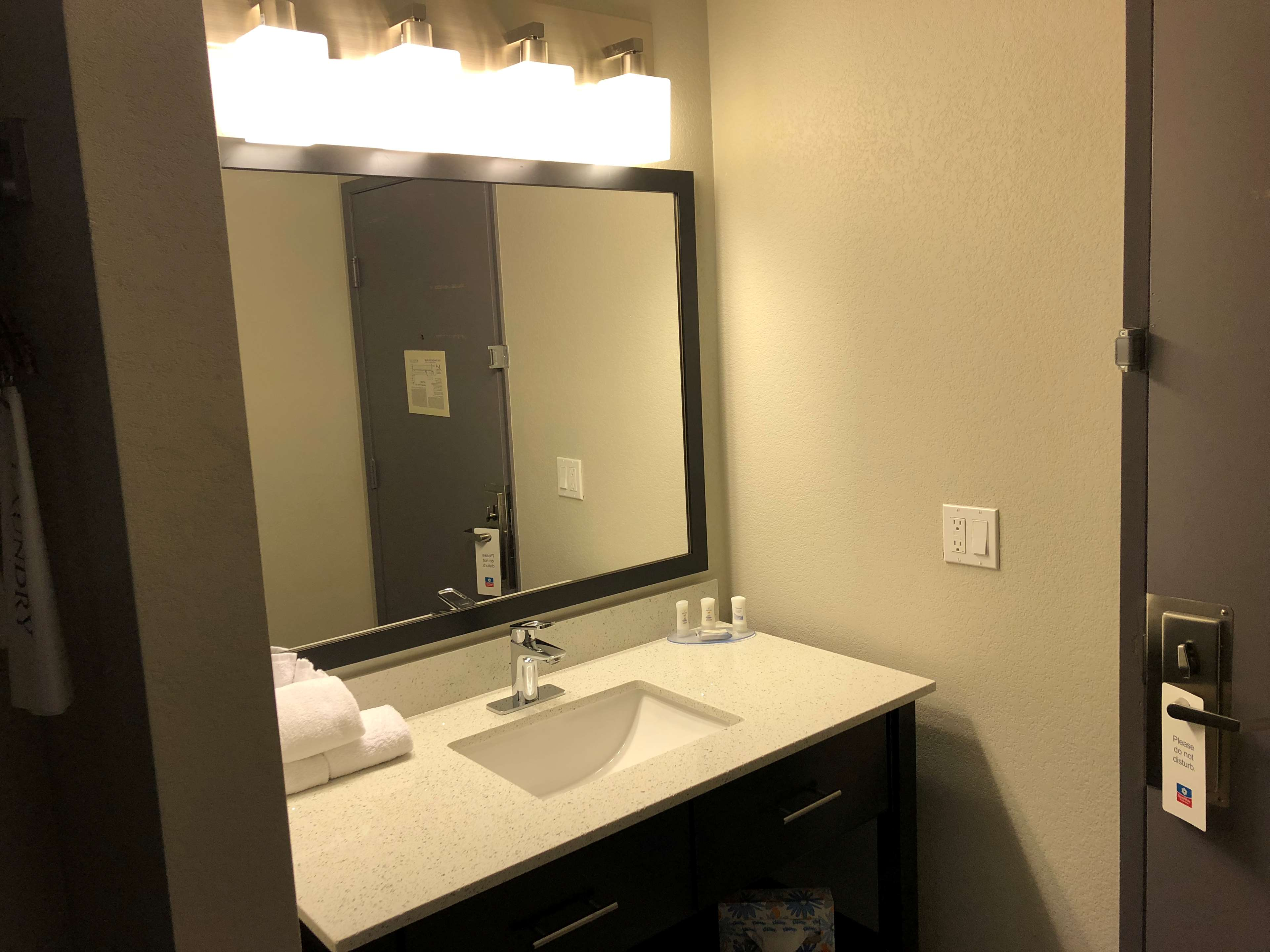 SureStay Plus Hotel by Best Western Moses Lake image 7