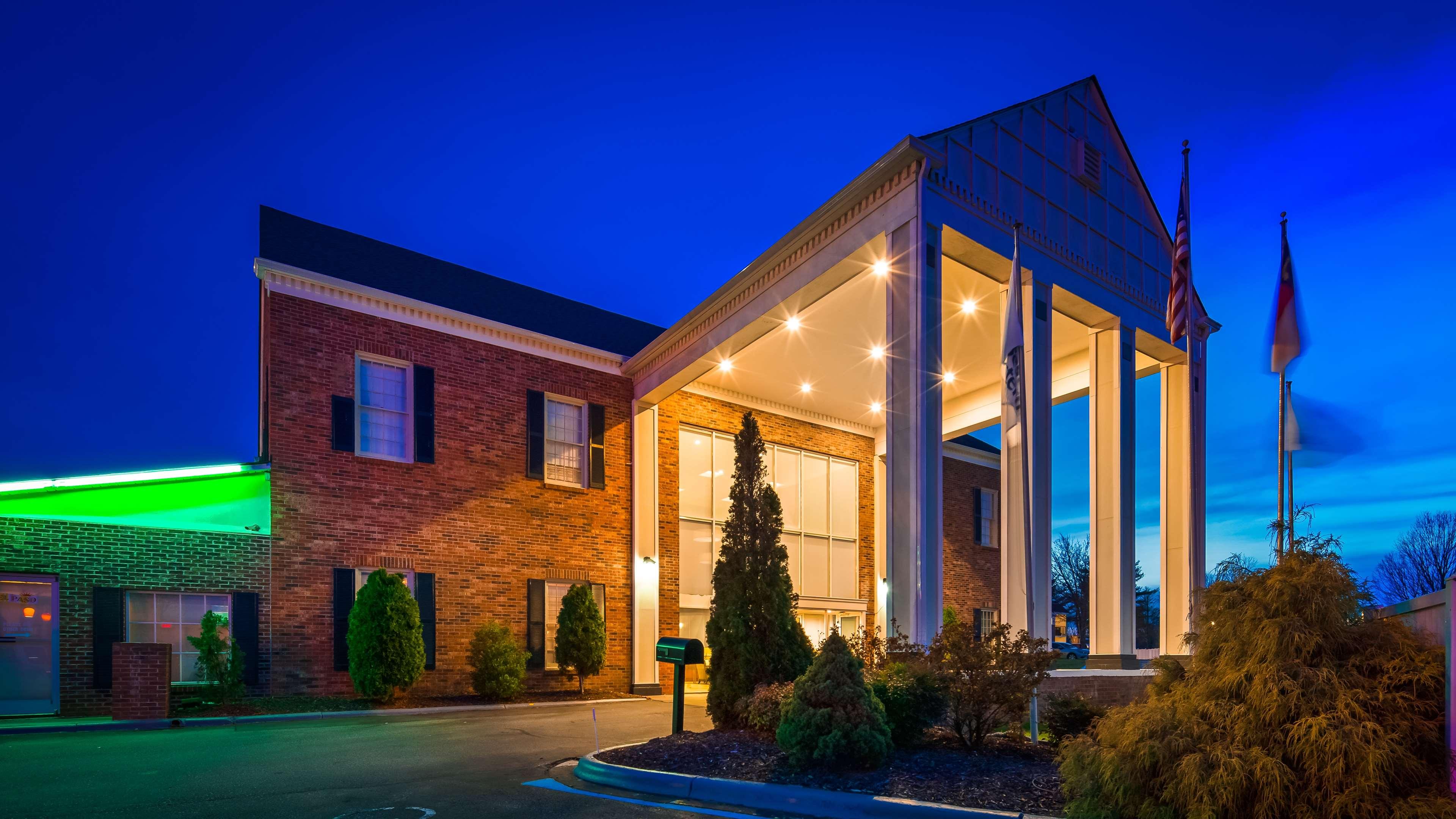 Best Western Hendersonville Inn image 2