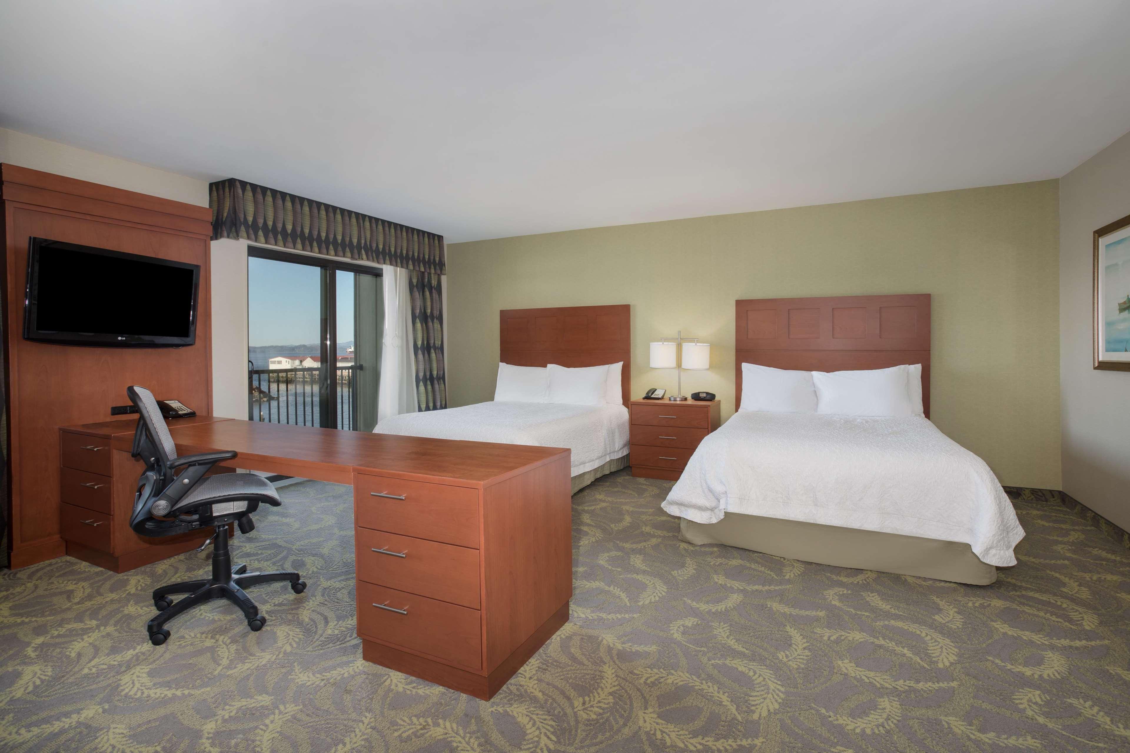 Hampton Inn & Suites Astoria image 46