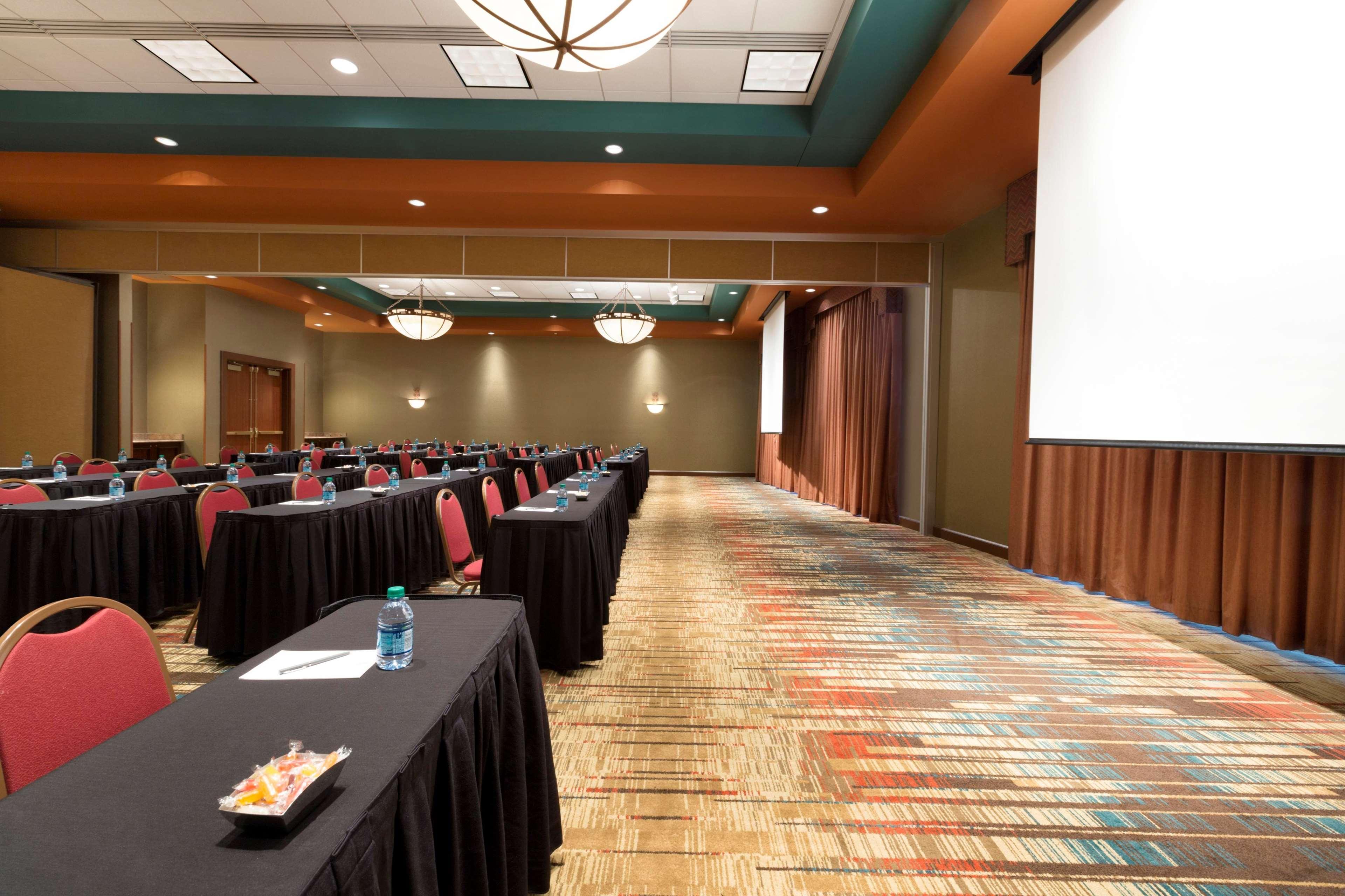 Embassy Suites by Hilton Albuquerque Hotel & Spa image 46