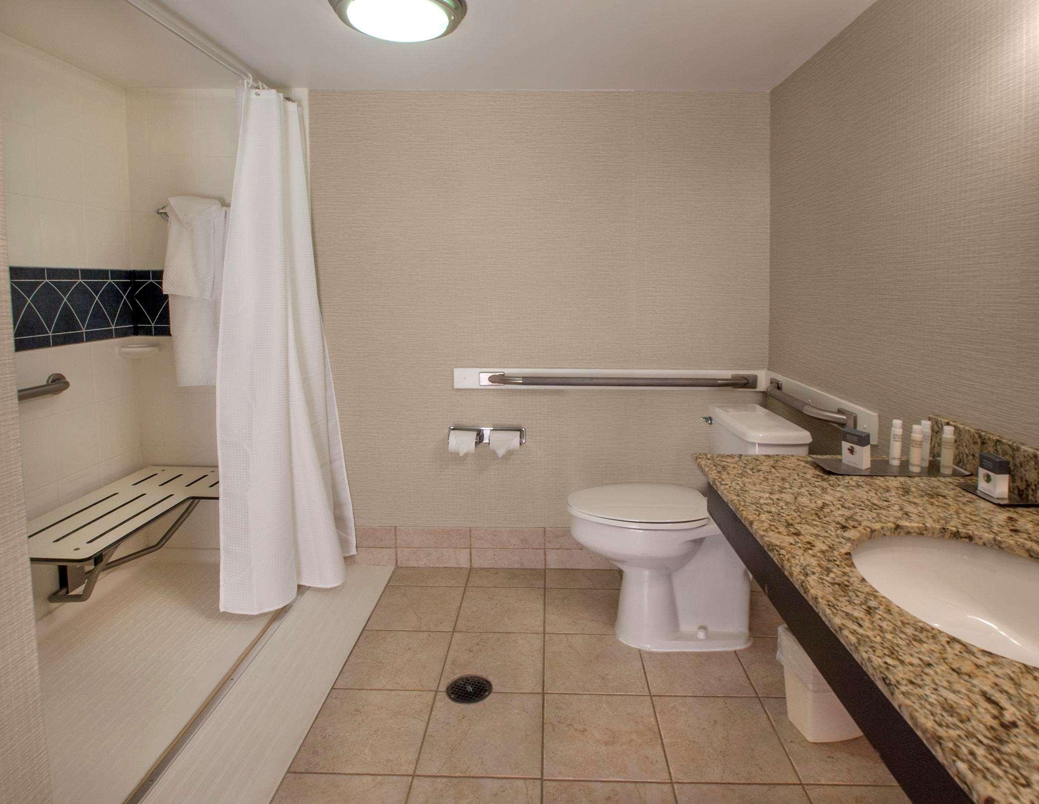 DoubleTree by Hilton Hotel Buffalo - Amherst image 17