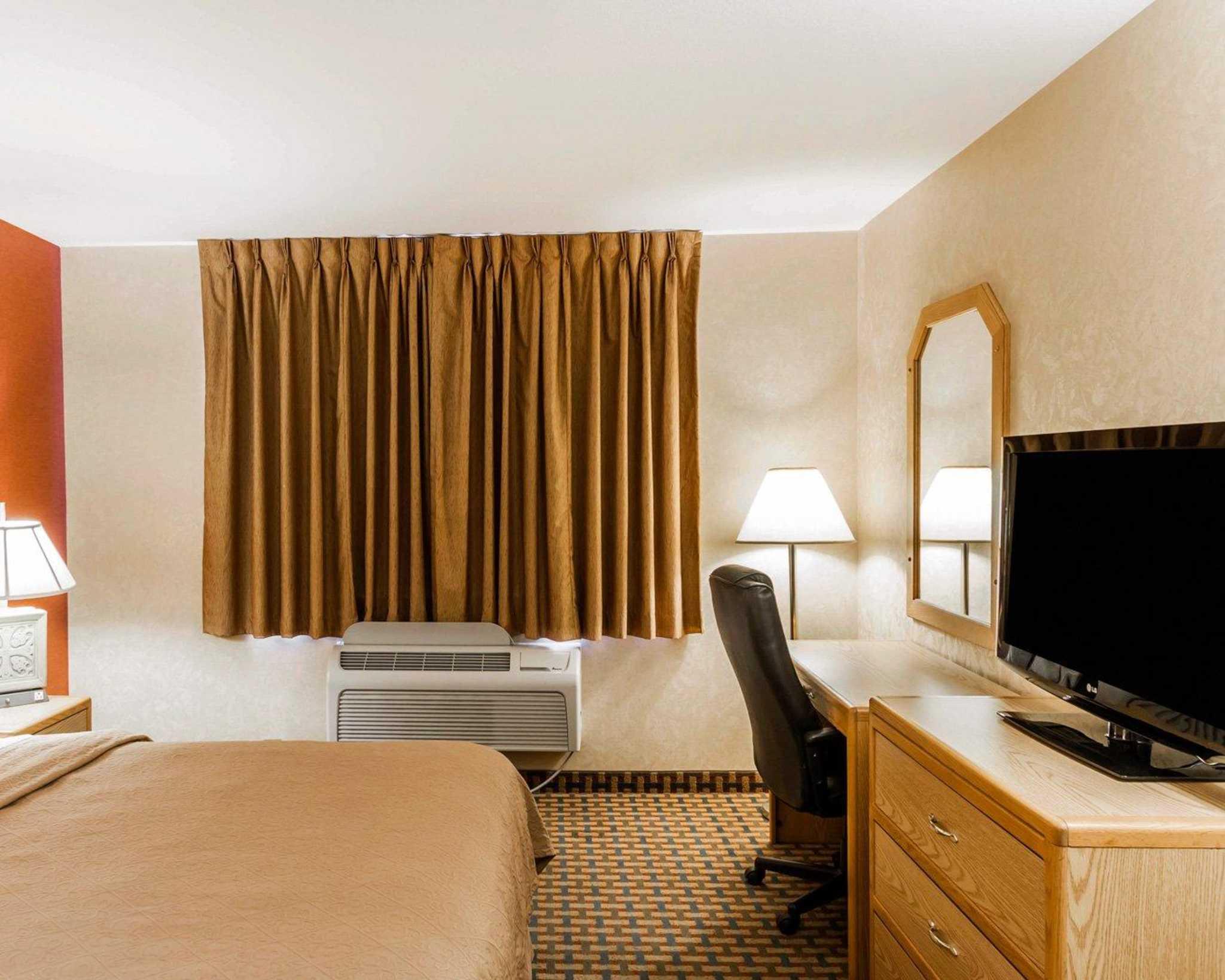 Quality Inn & Suites Surprise Near Sun City West image 32