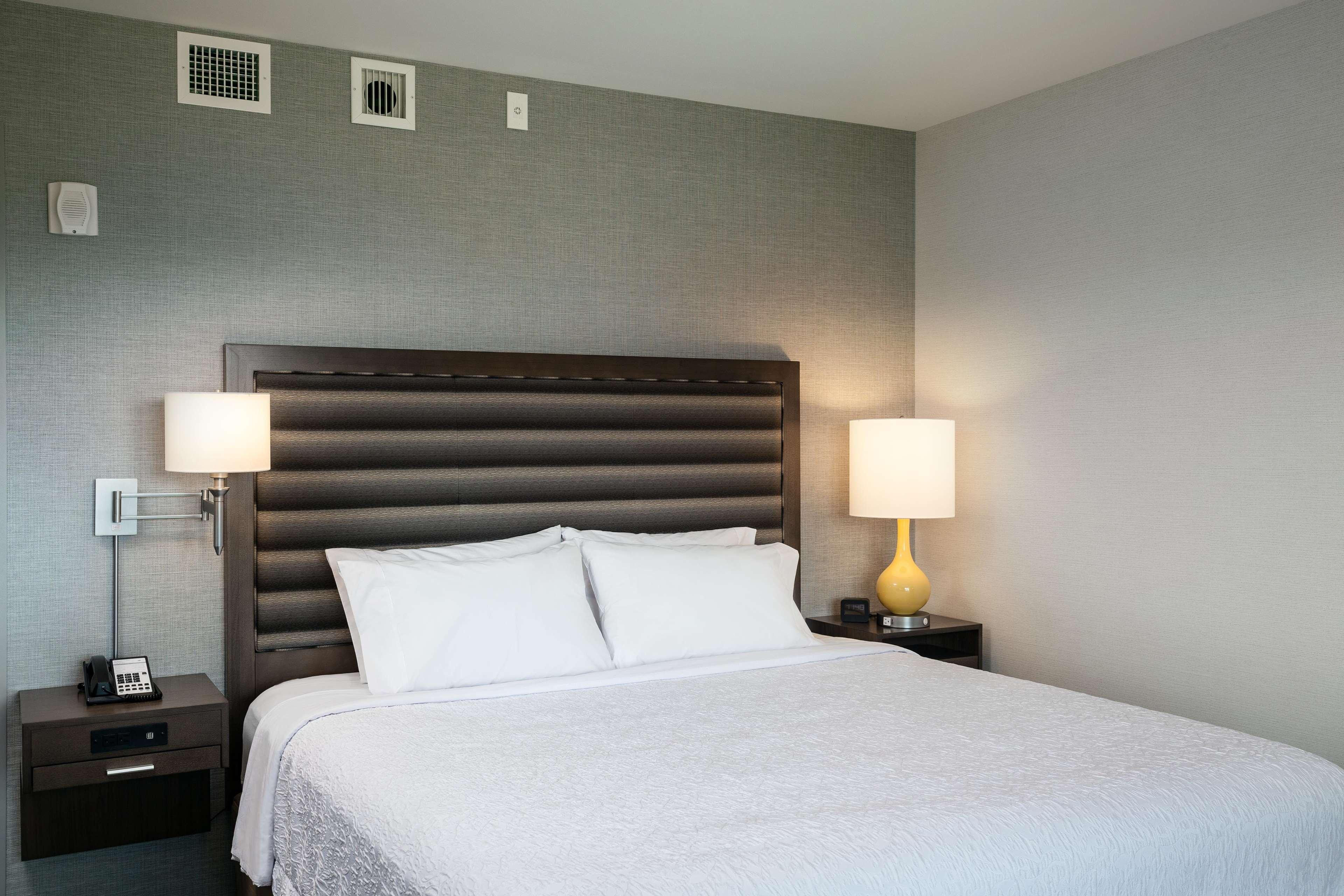 Hampton Inn & Suites by Hilton Seattle/Northgate image 28