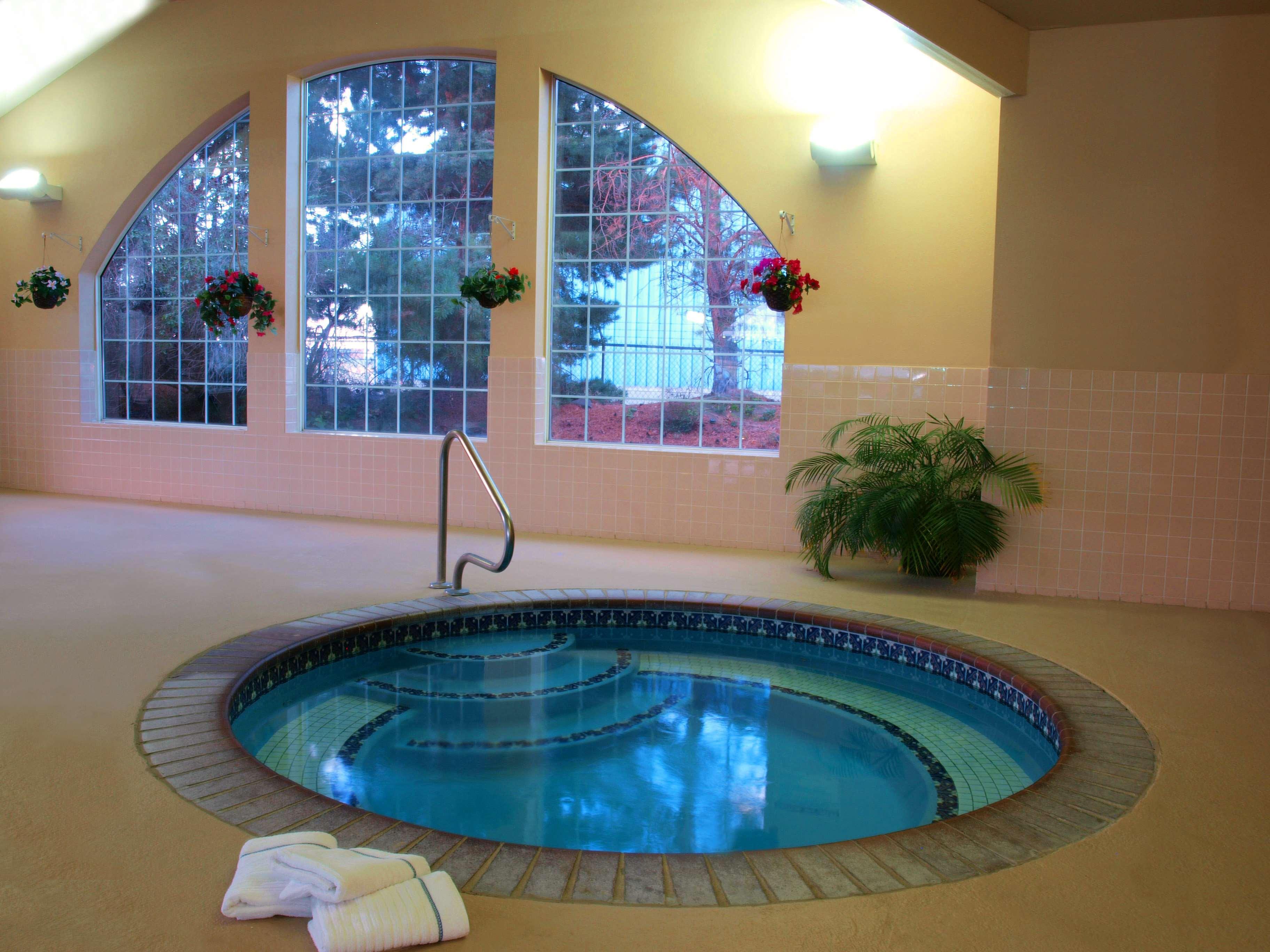 Best Western Plus Caldwell Inn & Suites image 16
