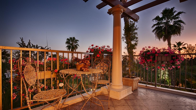 Best Western Plus Sunset Plaza Hotel image 1