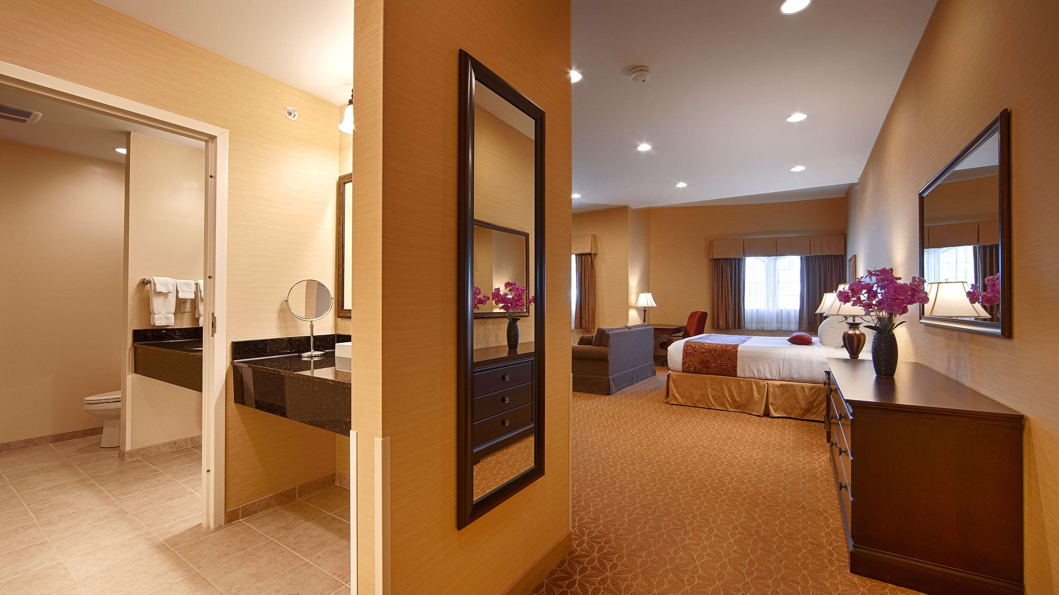 Best Western Plus Vineyard Inn & Suites image 9