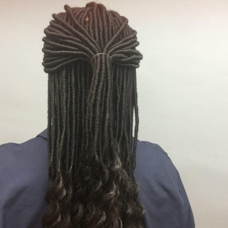 Aisha Hair Braiding image 12