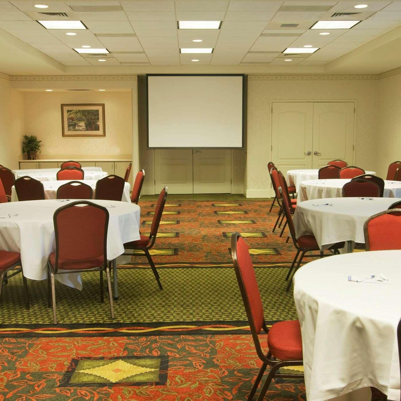 hilton garden inn knoxville westcedar bluff 216 peregrine way knoxville tn hotels motels mapquest - Hilton Garden Inn Knoxville