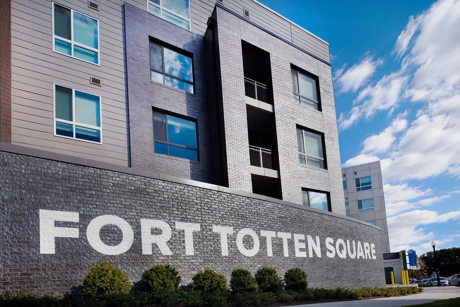 Fort Totten Square image 3