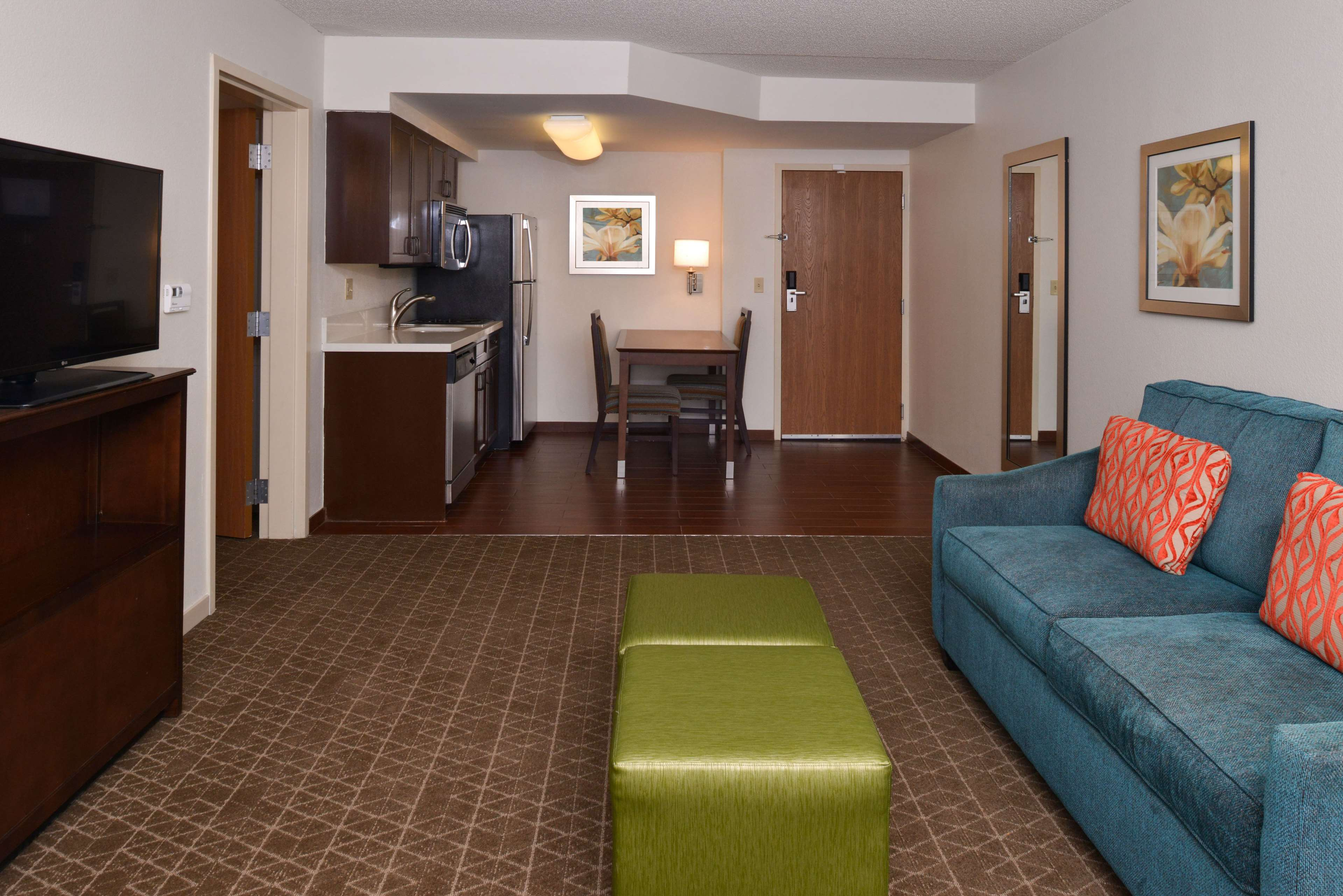 Hampton Inn & Suites Pueblo-Southgate image 29