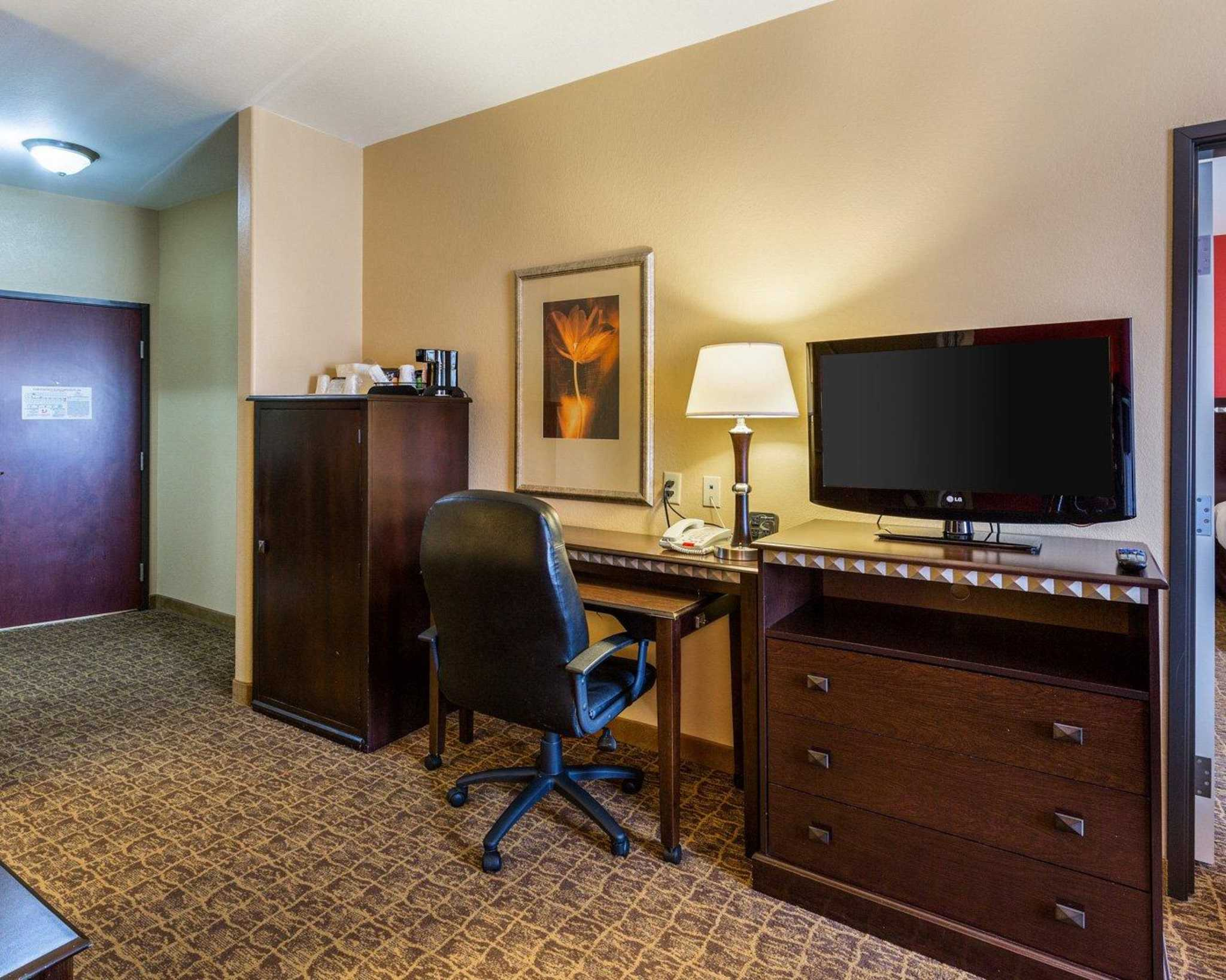 Comfort Suites Pearland - South Houston image 24