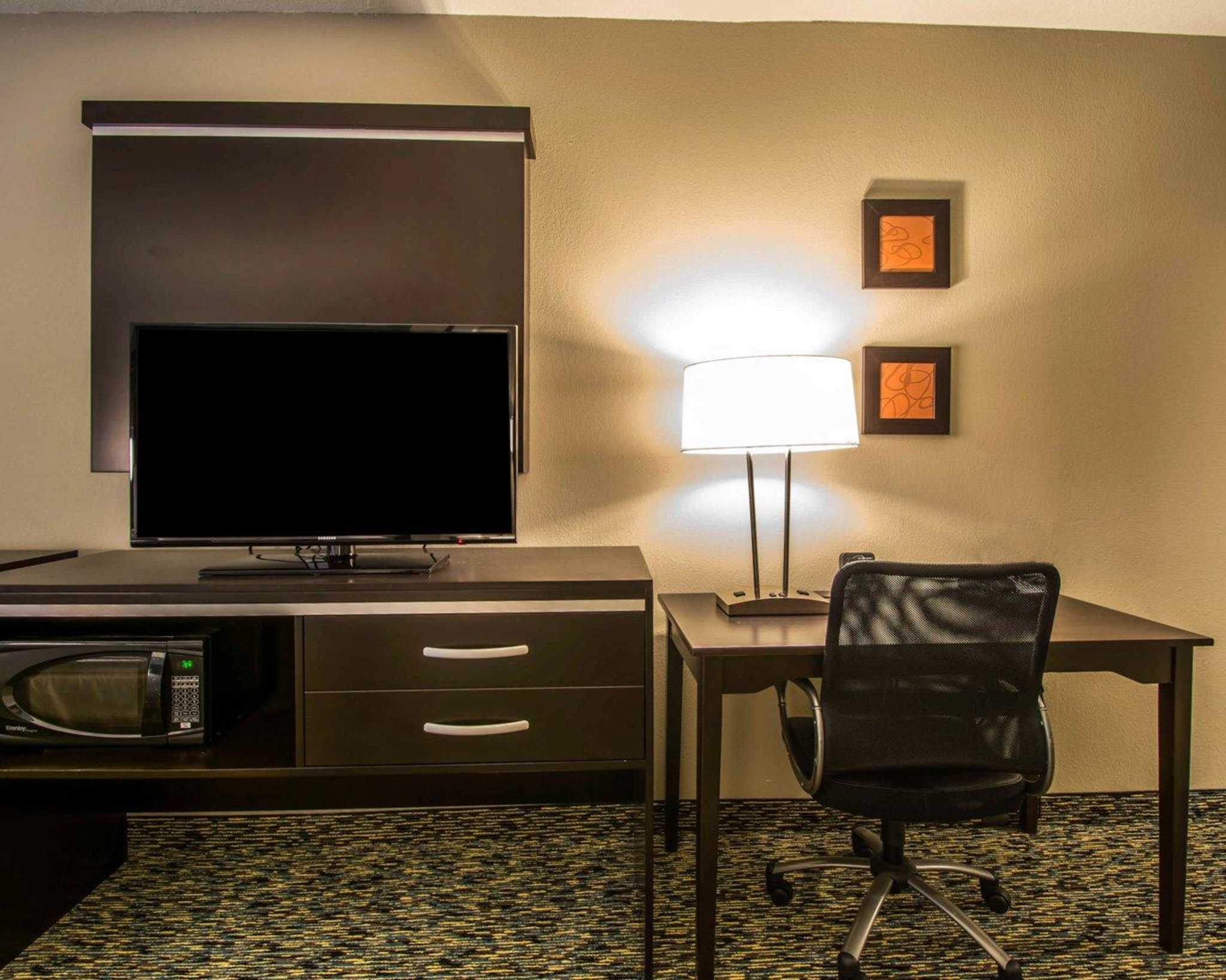 Comfort Suites Fort Lauderdale Airport South & Cruise Port image 23