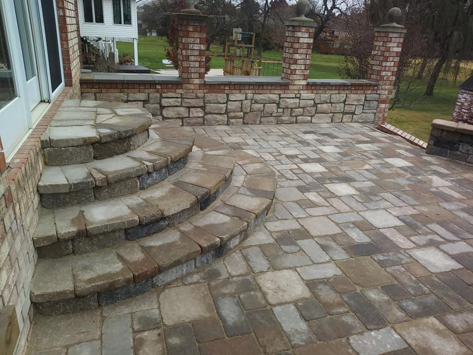 Two Stallions Landscaping image 4