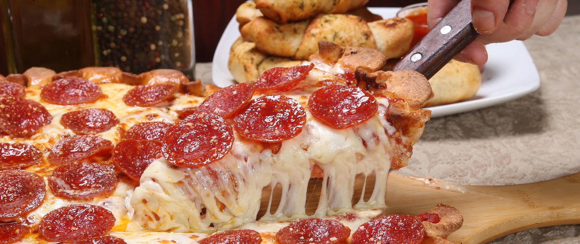 Zeppe's Pizzeria image 11