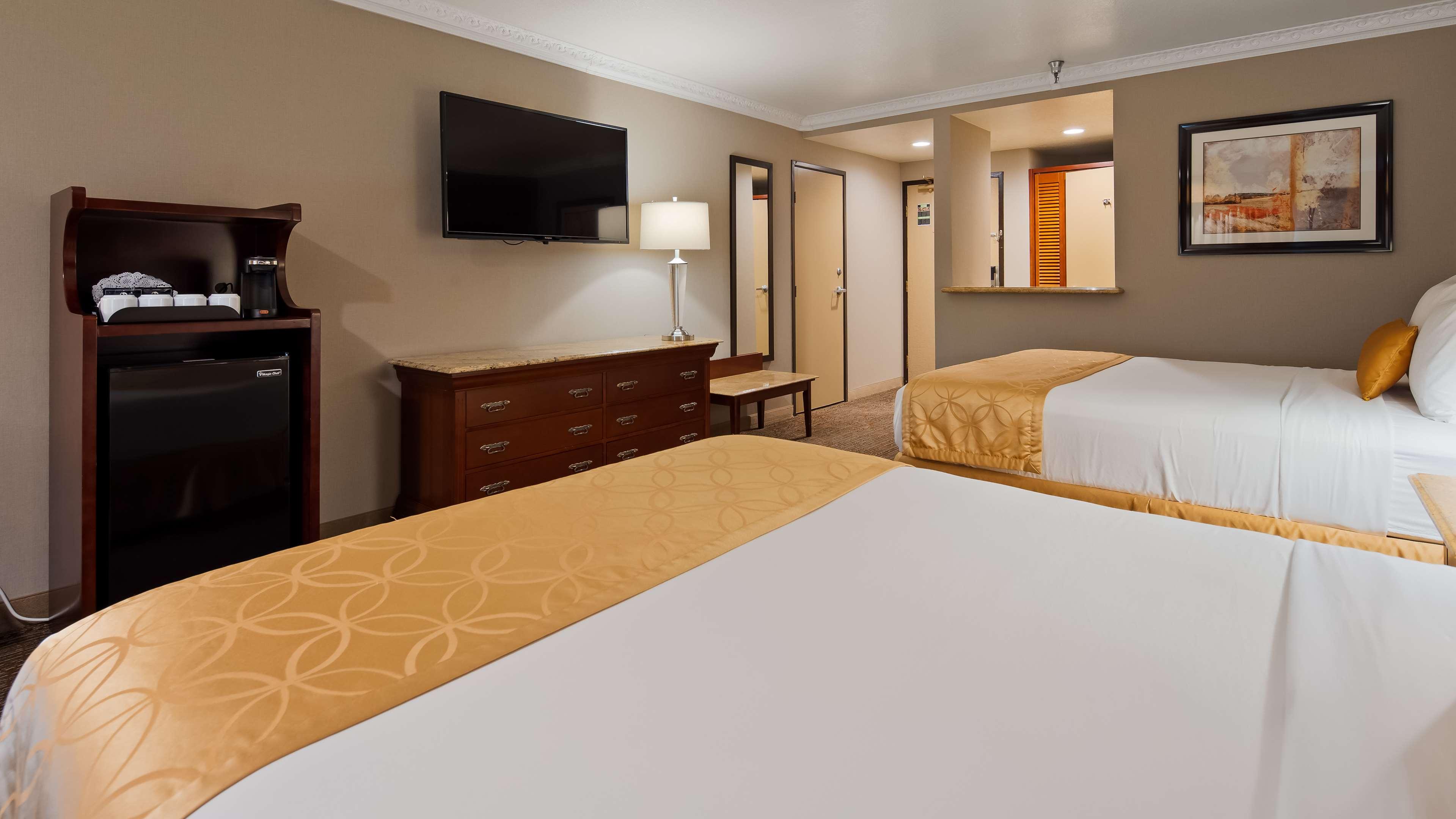 Best Western Plus Newport Mesa Inn image 12