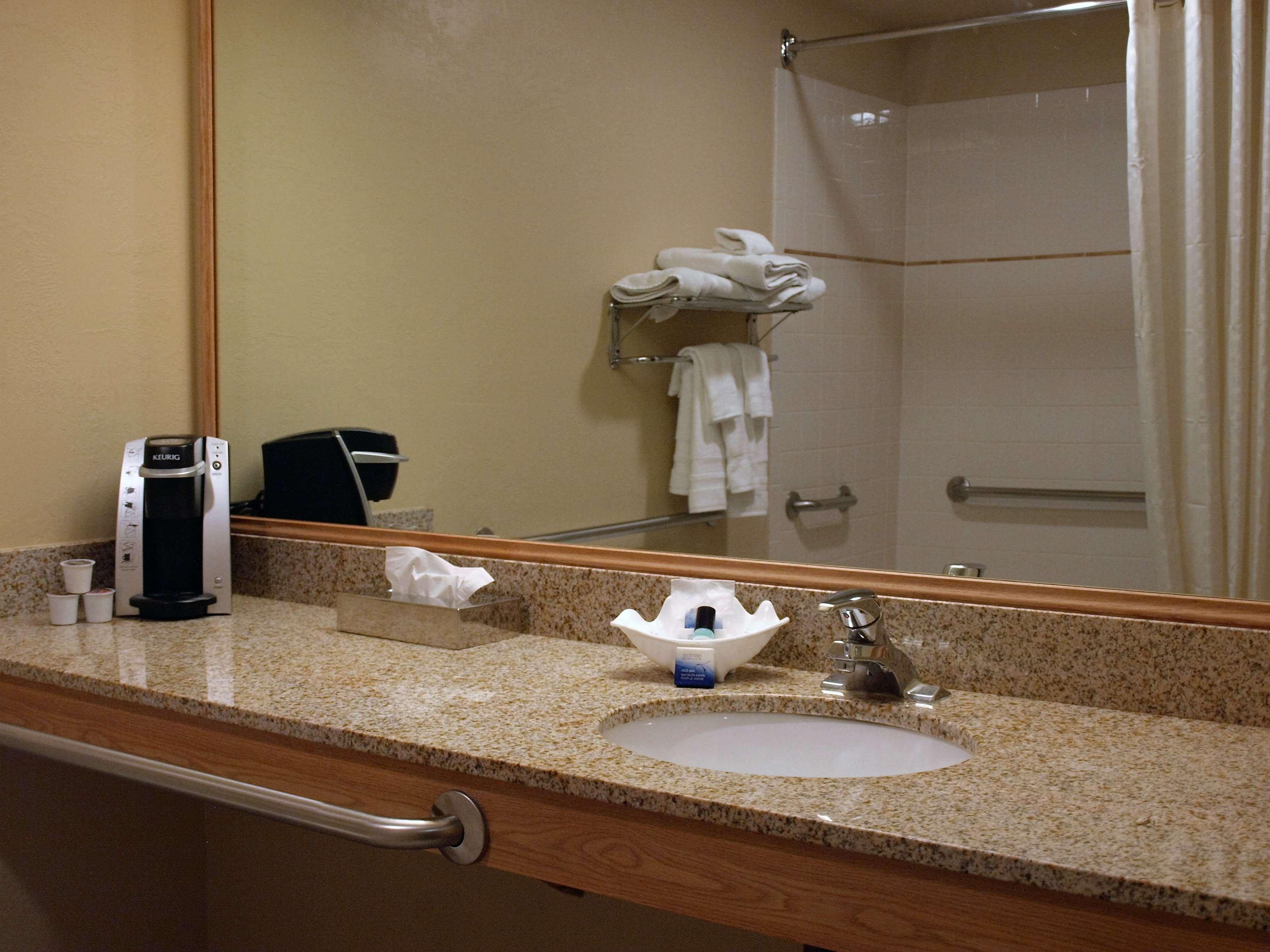 Best Western Plus Caldwell Inn & Suites image 35