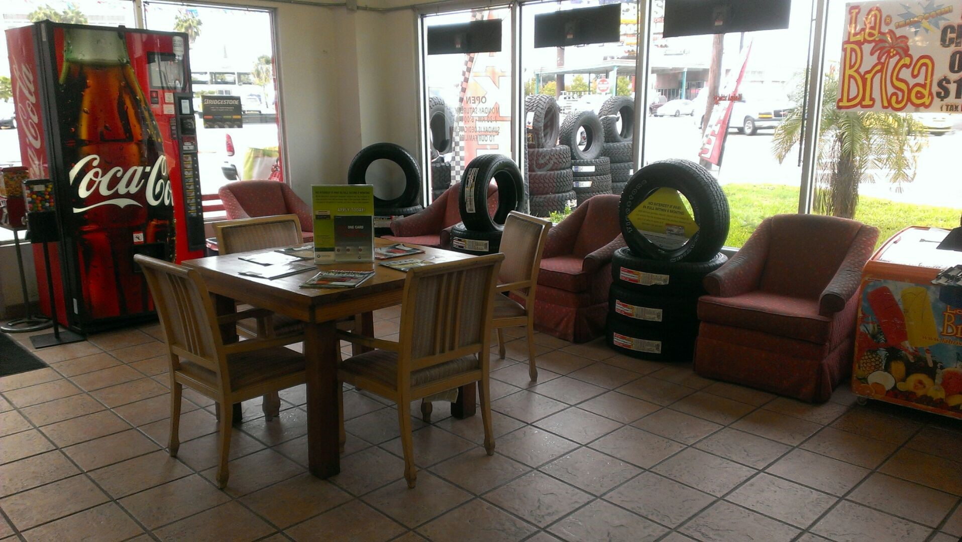 Pueblo Tires & Service image 2