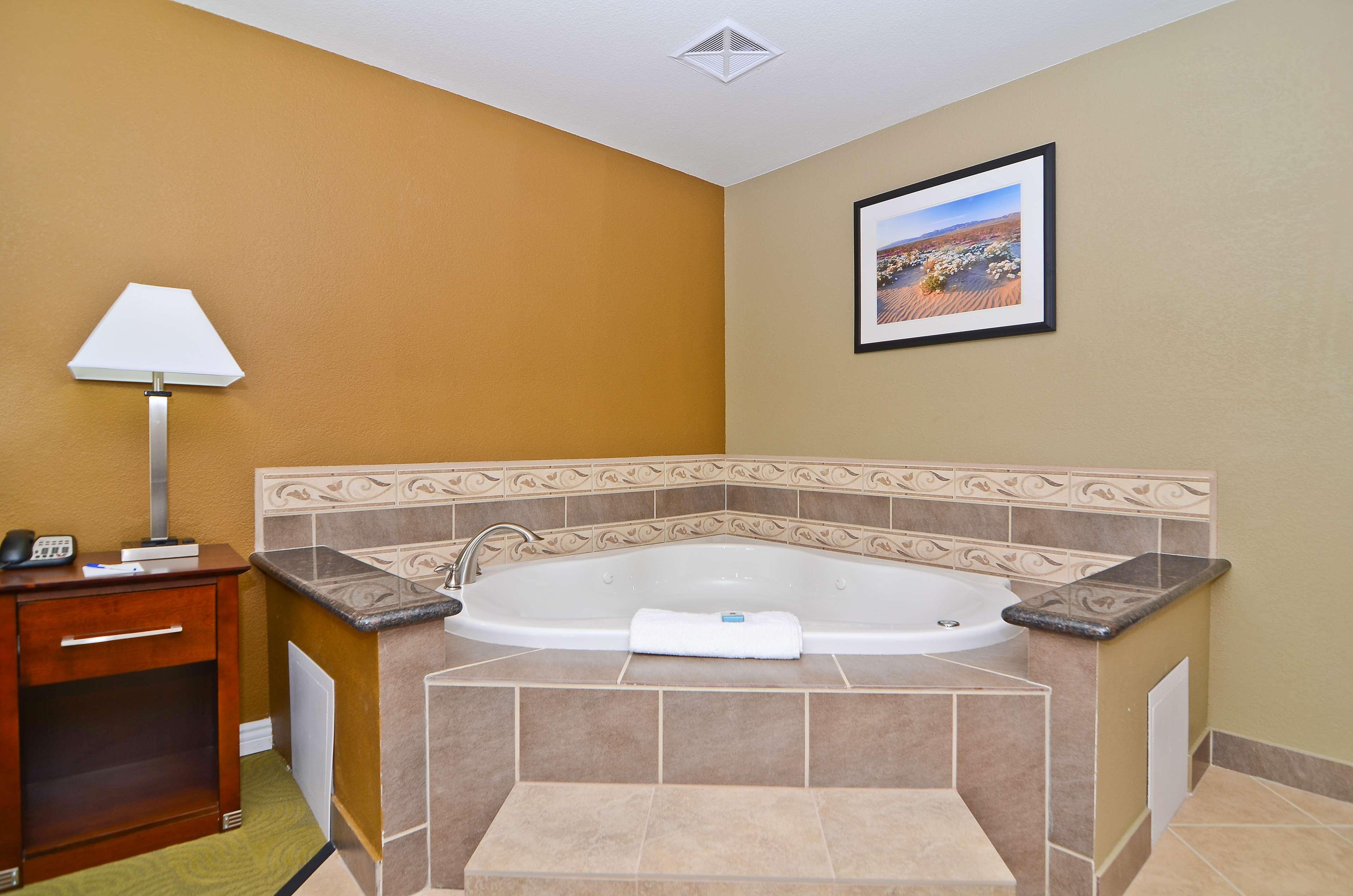 Best Western California City Inn & Suites image 21