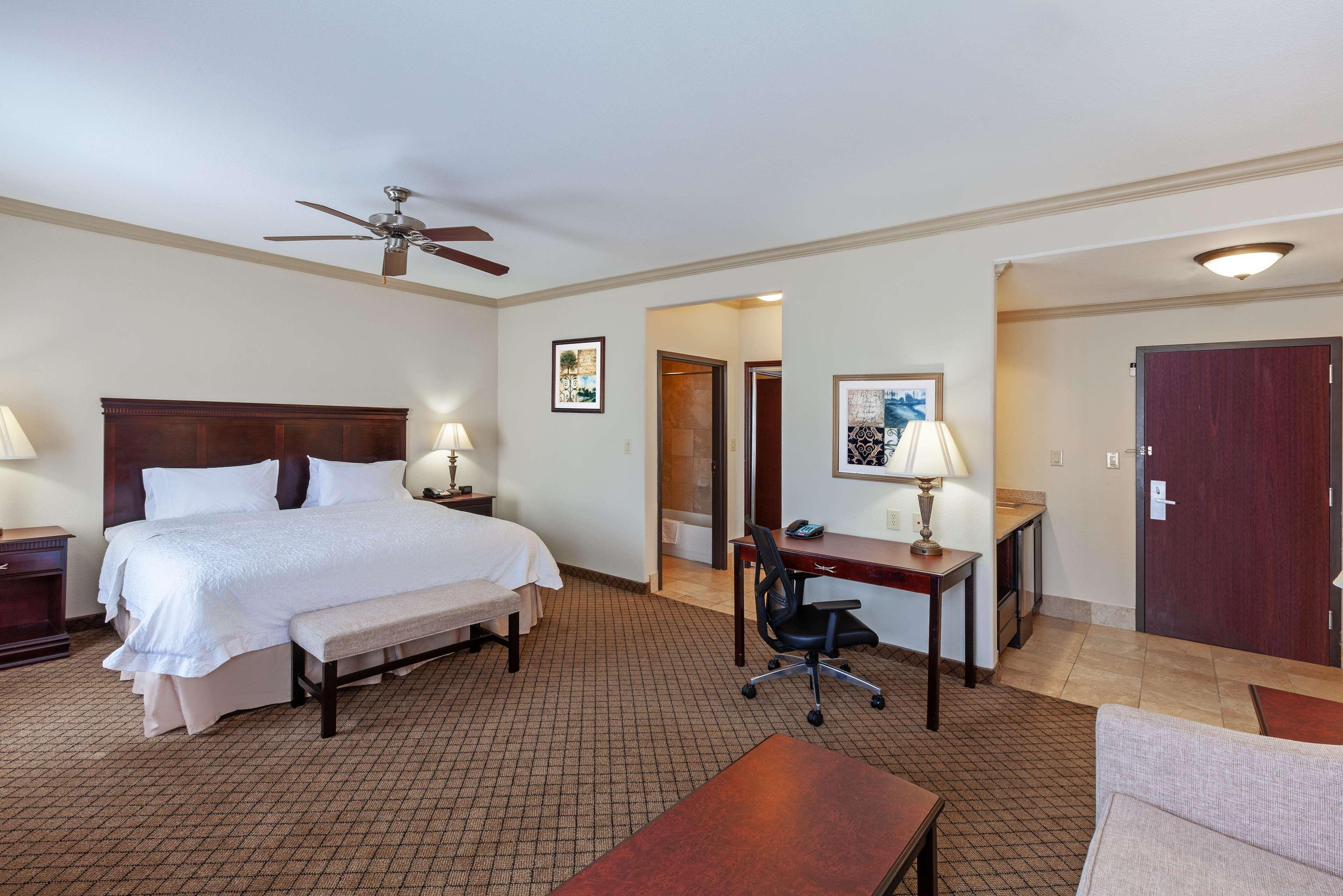 Hampton Inn & Suites Galveston image 27