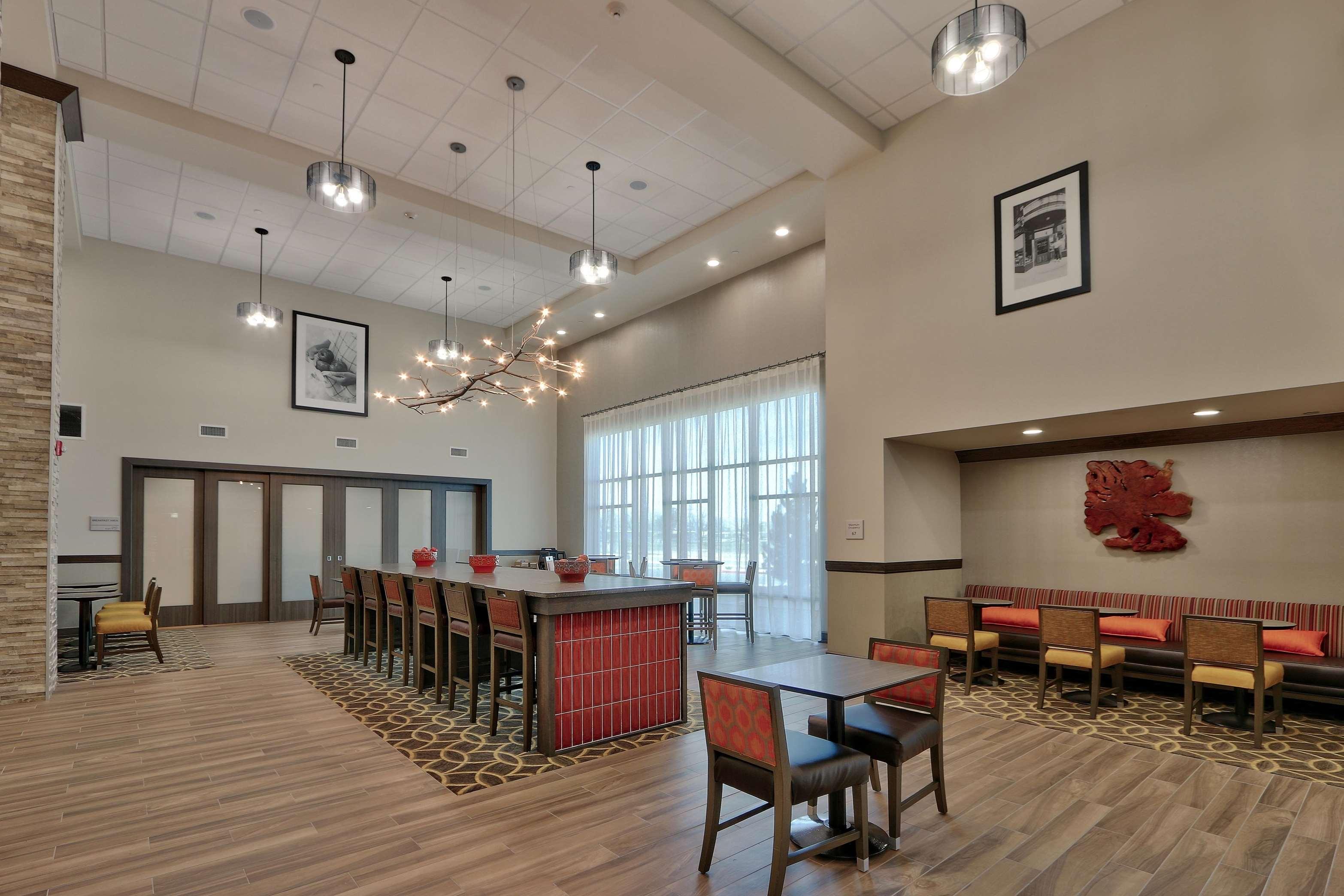 Hampton Inn & Suites Artesia image 18