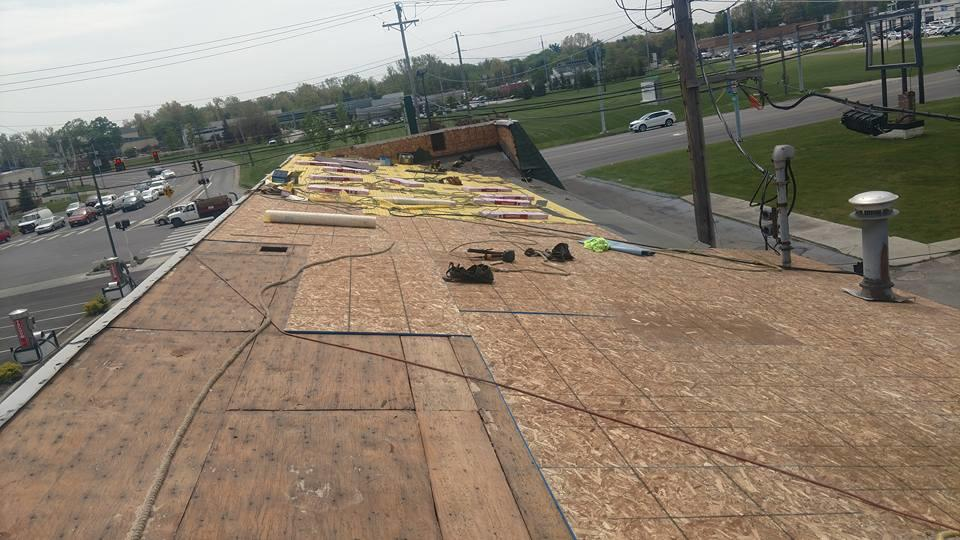 Husky Roofing LLC image 1