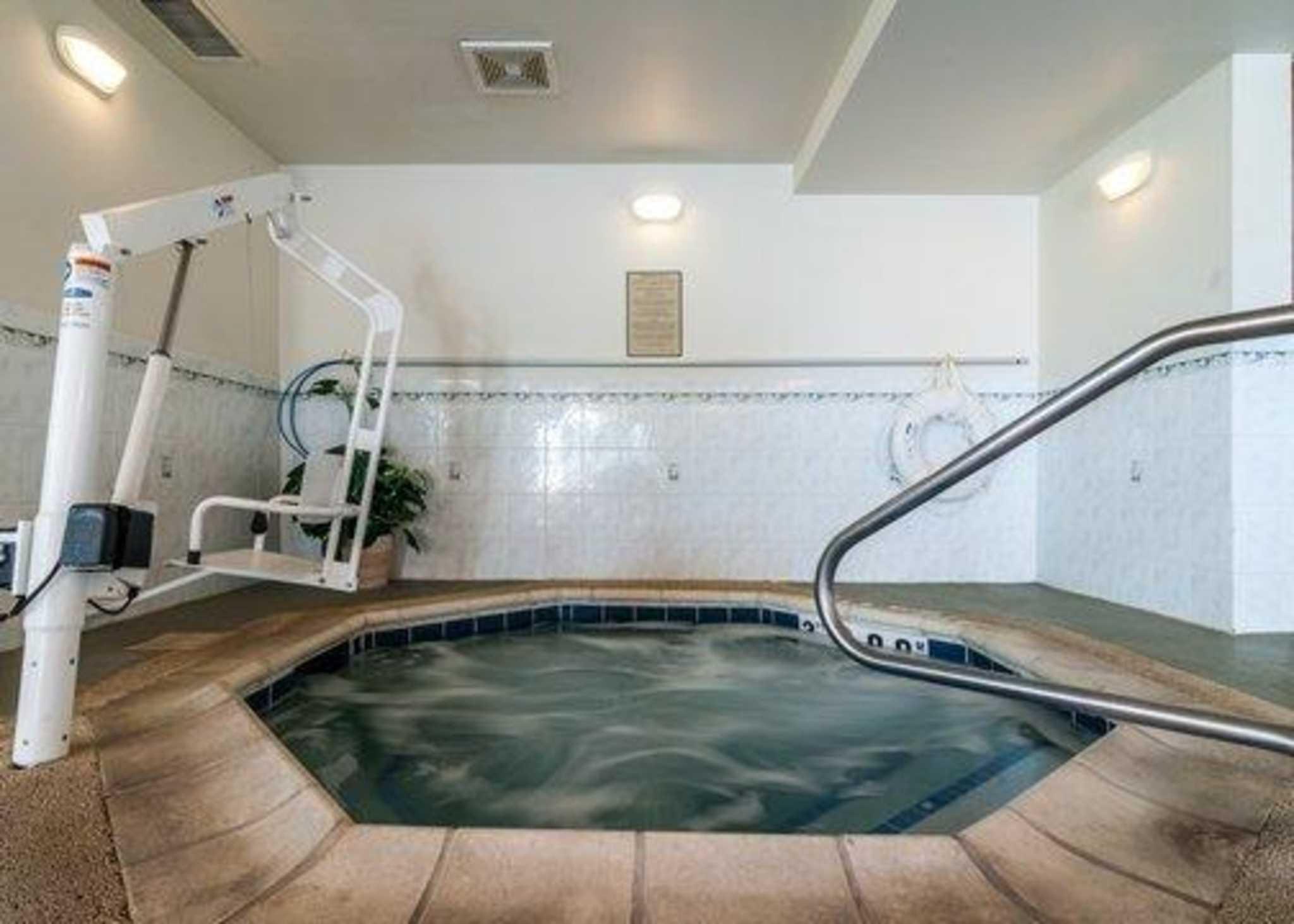 Comfort Inn & Suites in Geneva, IL, photo #6