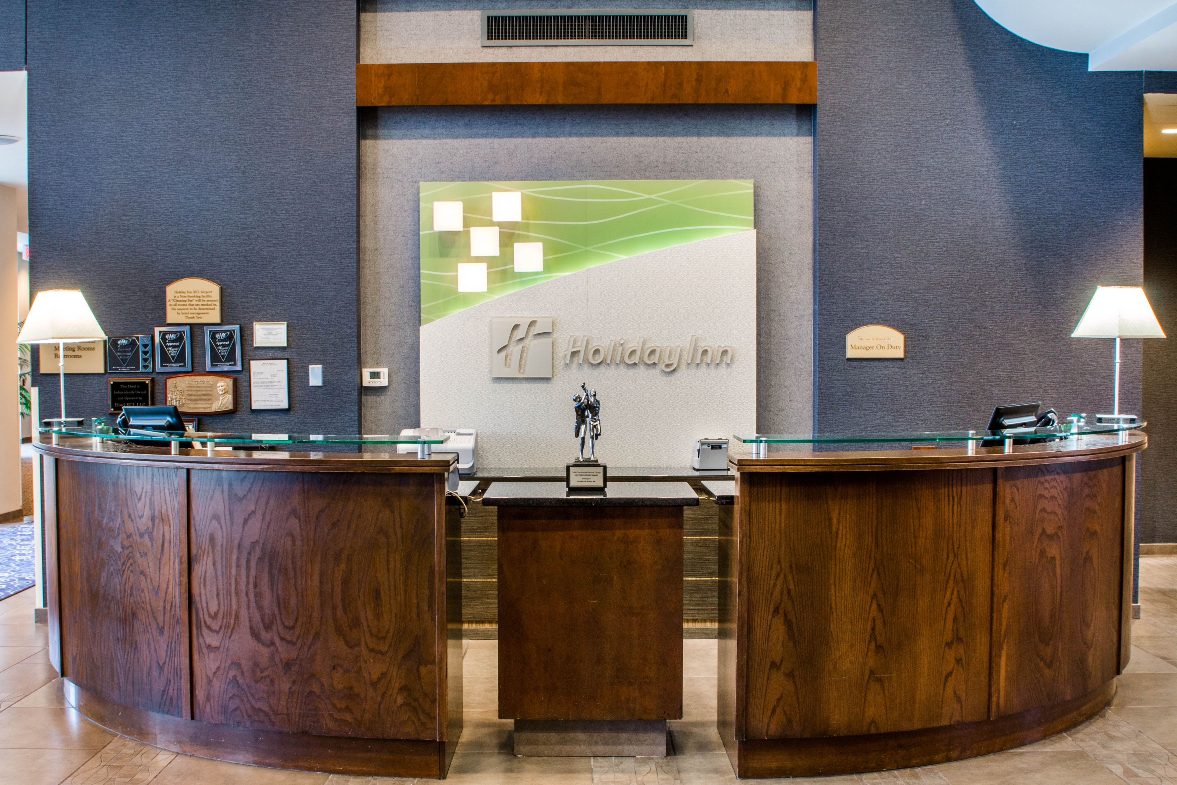 Holiday Inn Kansas City Airport image 6