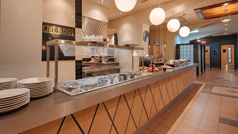 Best Western Plus Hotel Albert Rouyn-Noranda à Rouyn-Noranda: Breakfast Area
