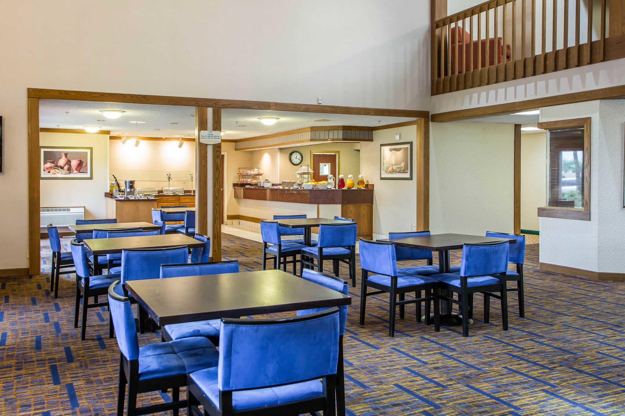 Clarion Inn image 27