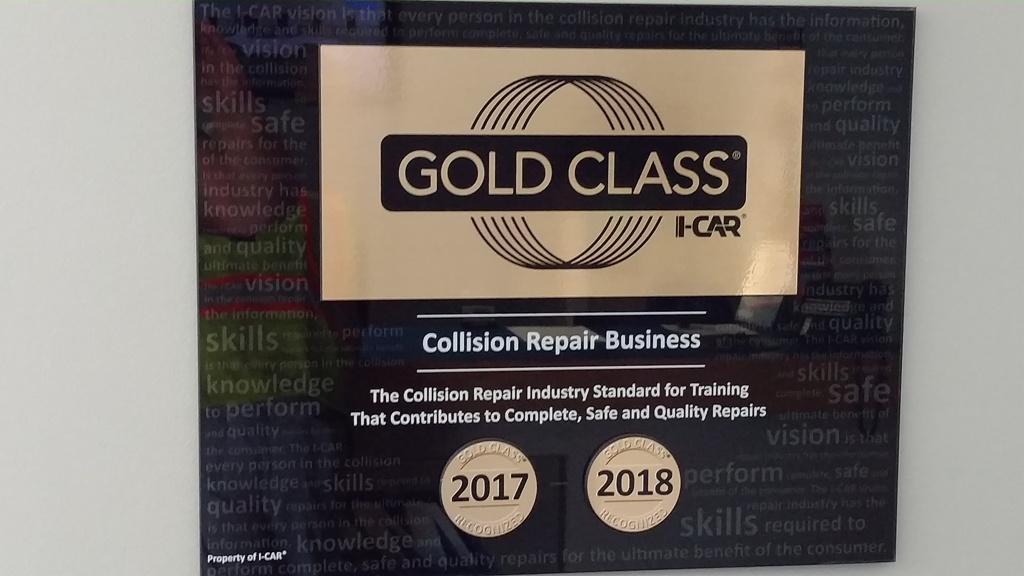 Maaco Collision Repair & Auto Painting image 18