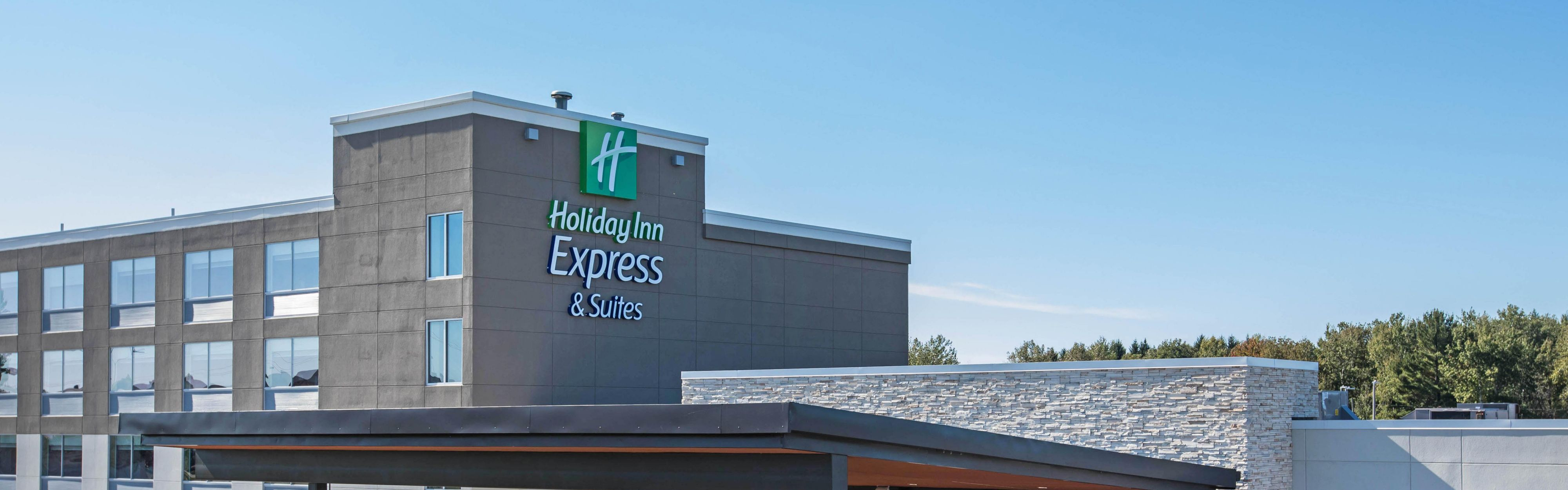 Holiday Inn Express & Suites Ludington image 0