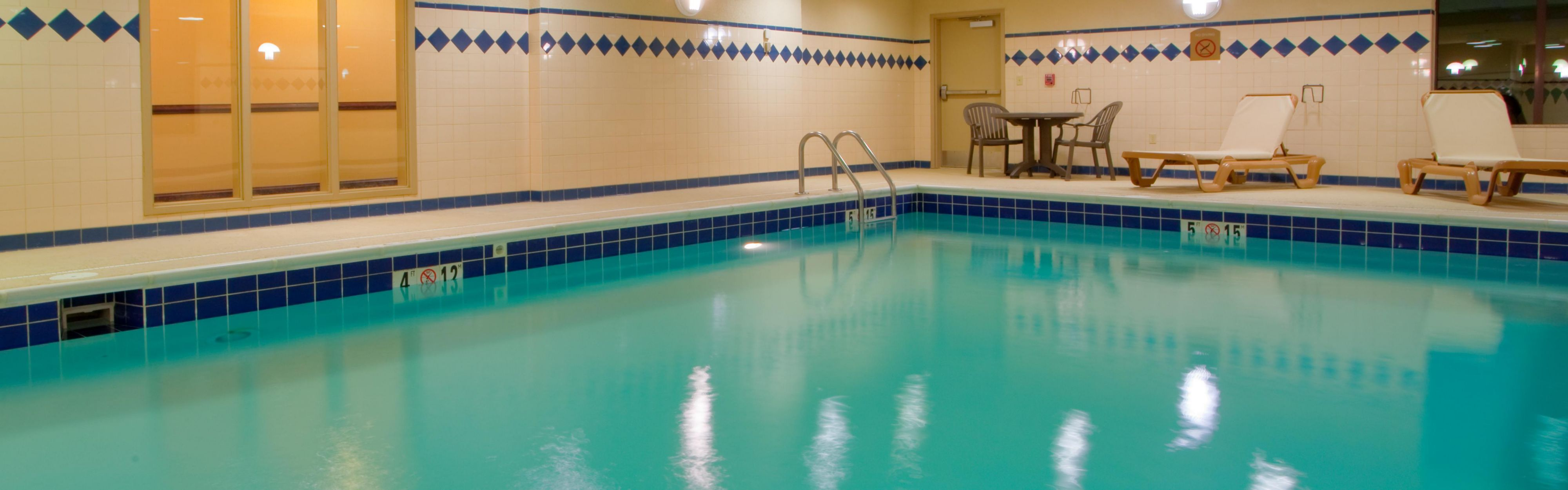 Holiday Inn Express & Suites Tappahannock image 2