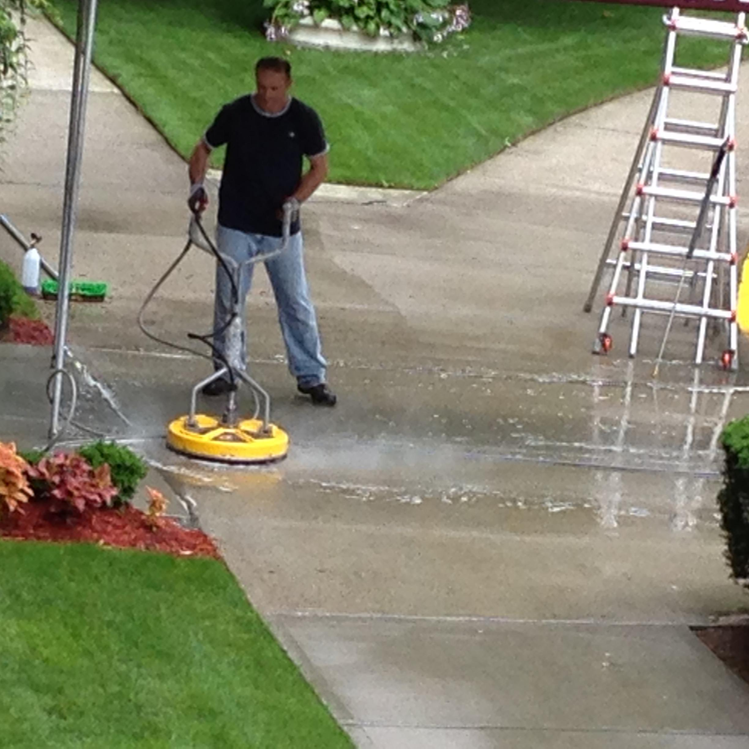 Mikes Powerwashing LLC