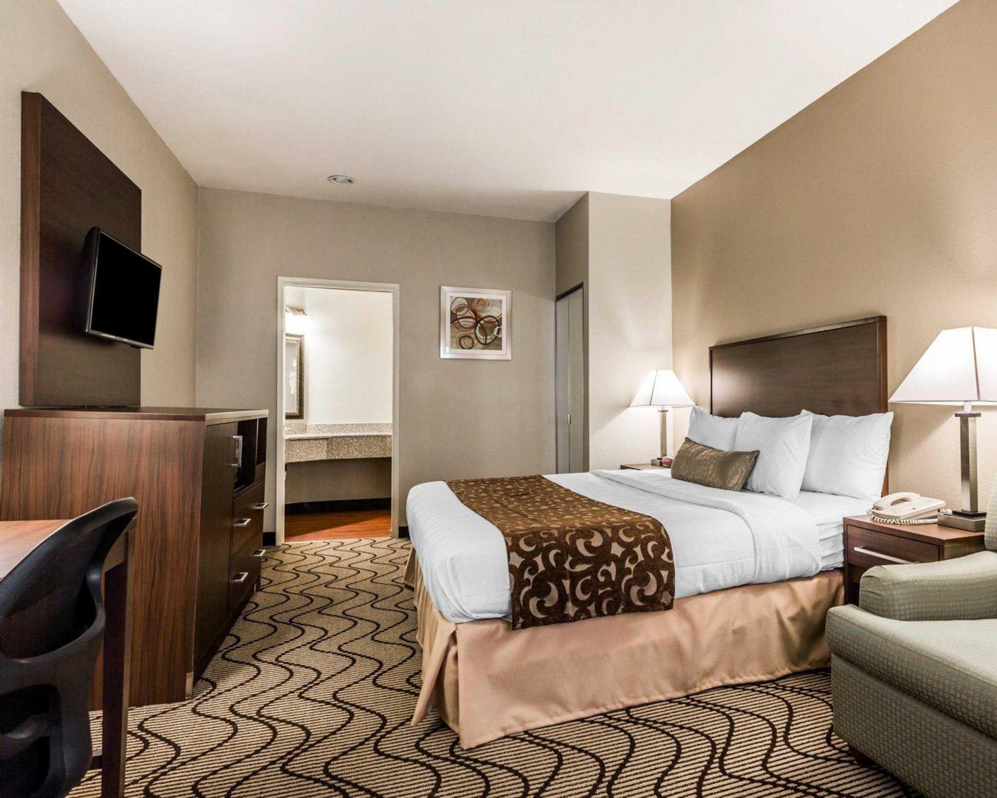 Comfort Inn & Suites Orange County John Wayne Airport image 13