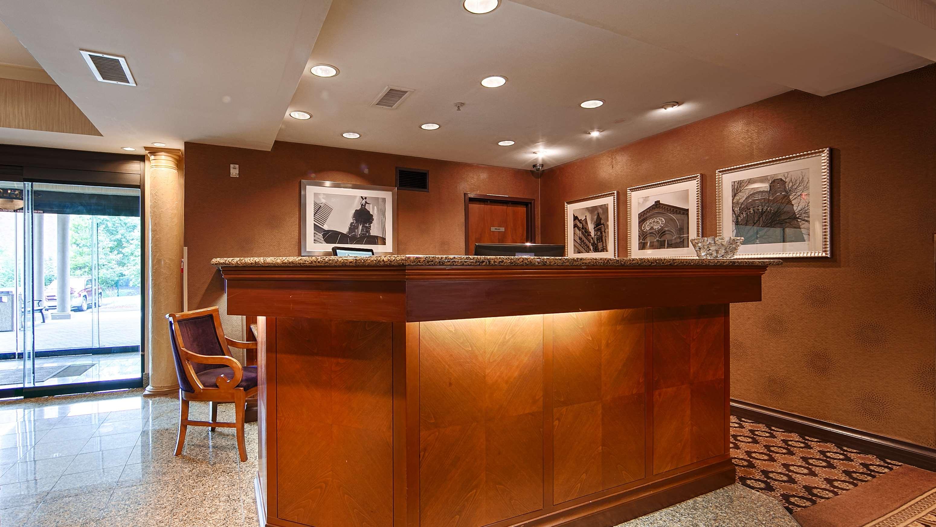 Best Western Plus Hannaford Inn & Suites image 5