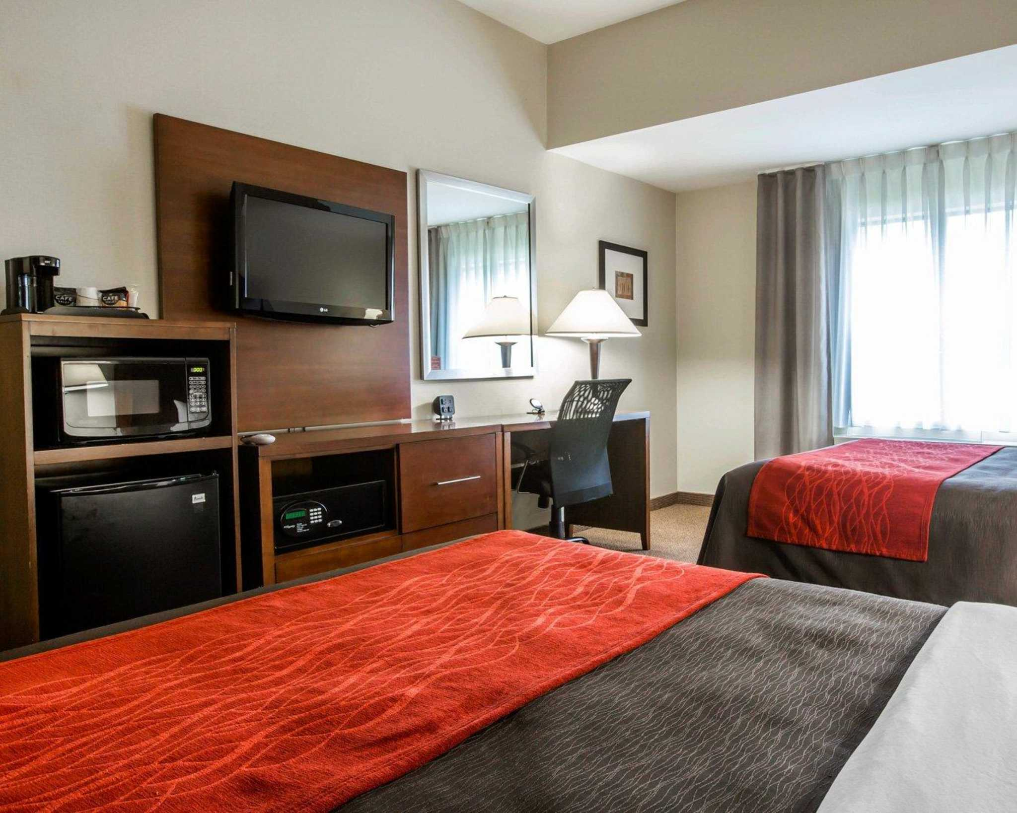 Comfort Inn & Suites adj to Akwesasne Mohawk Casino image 5
