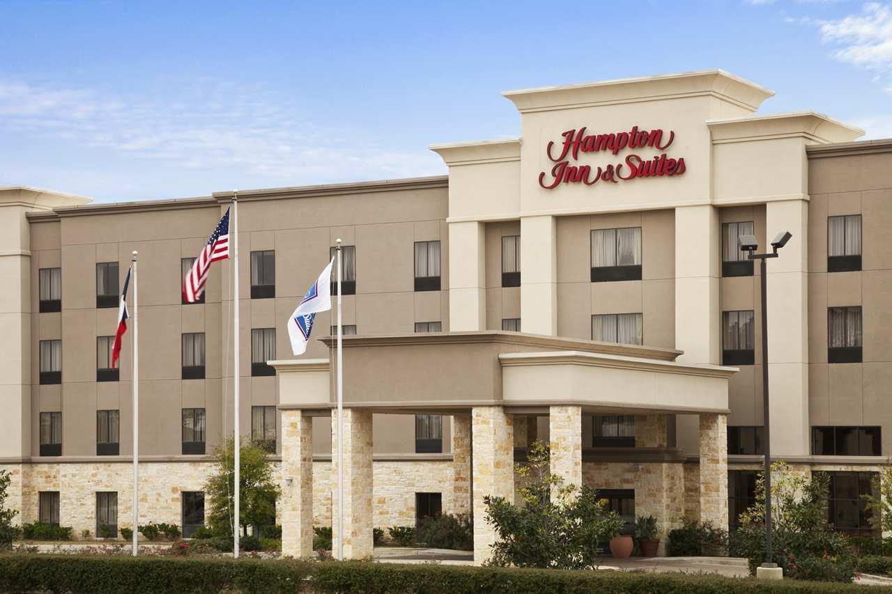 Hampton Inn & Suites Conroe - I-45 North image 1