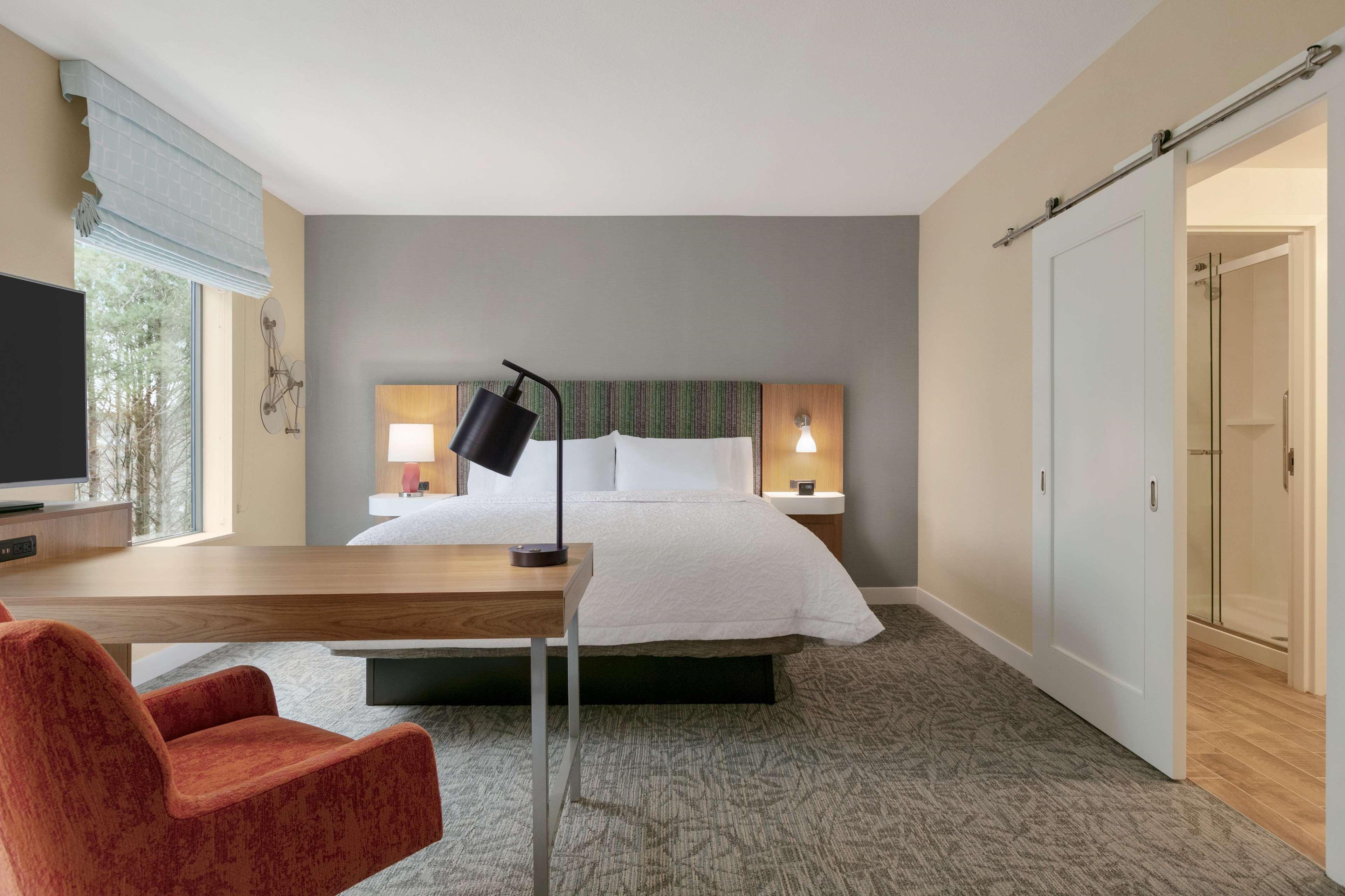 Hampton Inn and Suites Johns Creek image 37