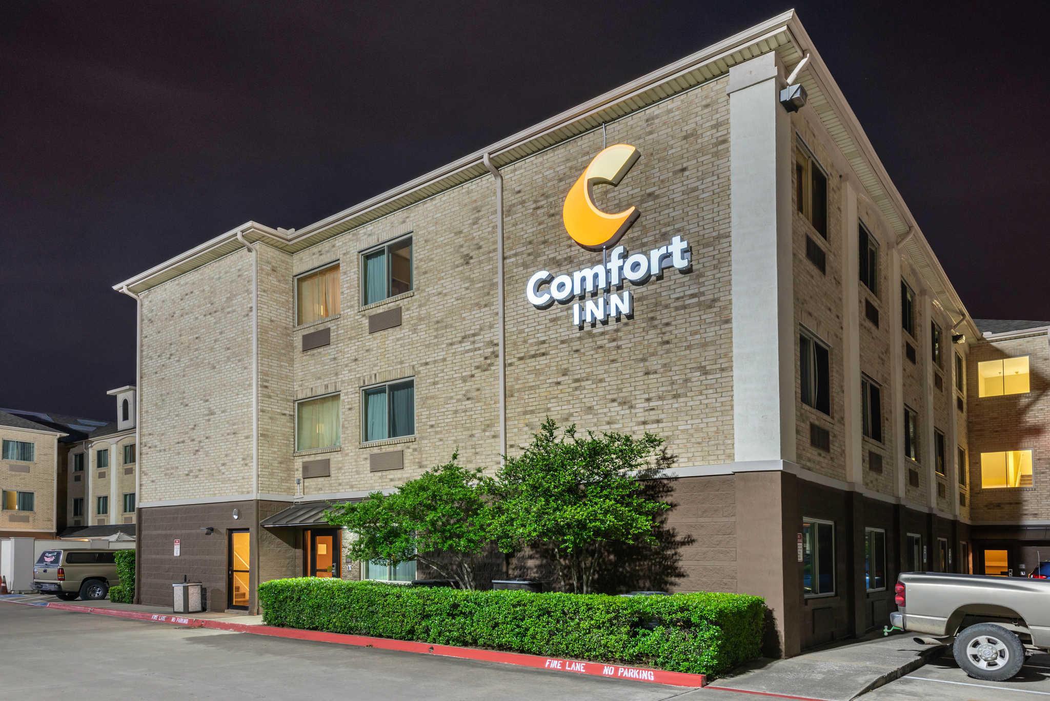 Comfort Inn DFW Airport North image 5