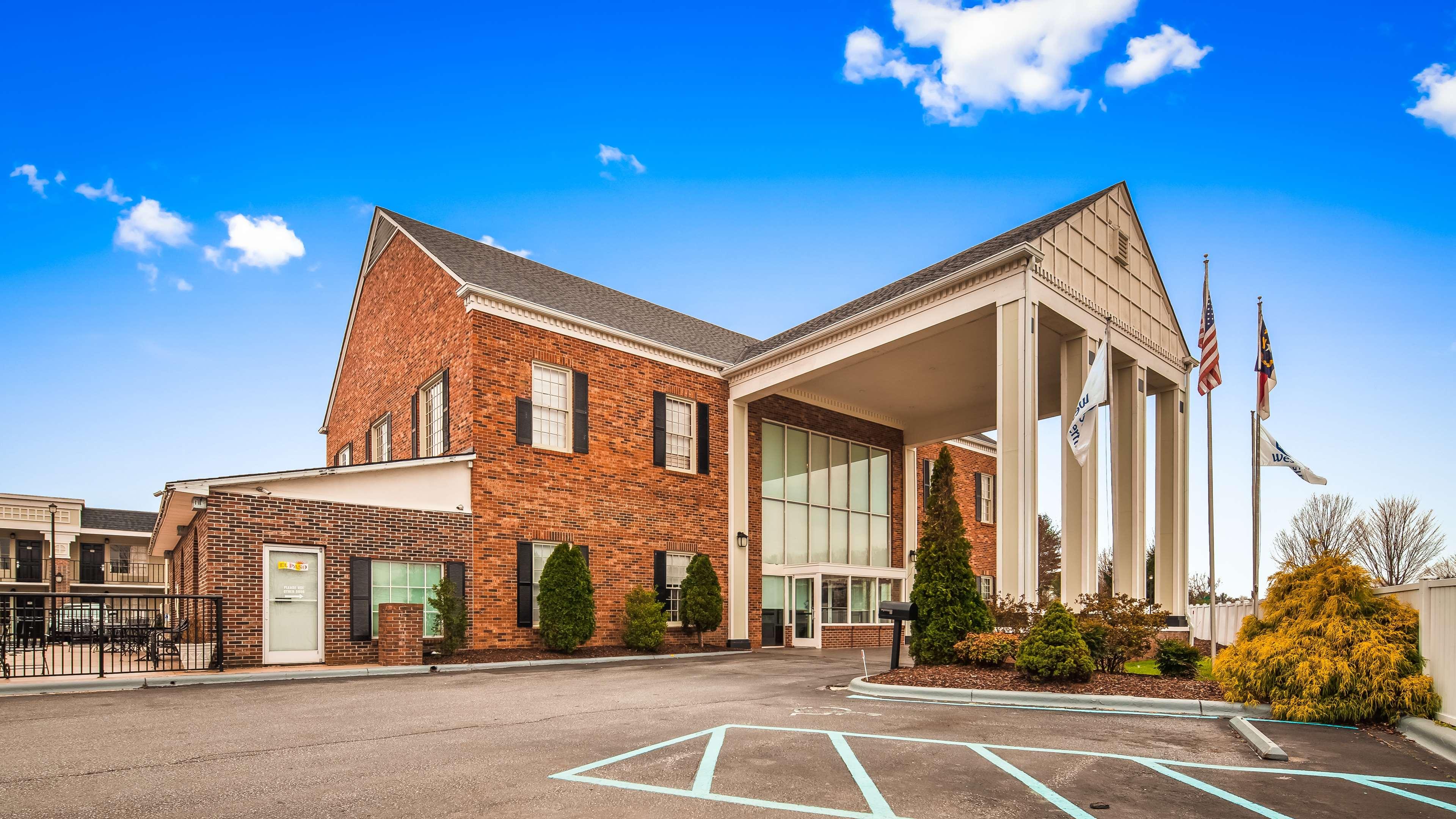 Best Western Hendersonville Inn image 1
