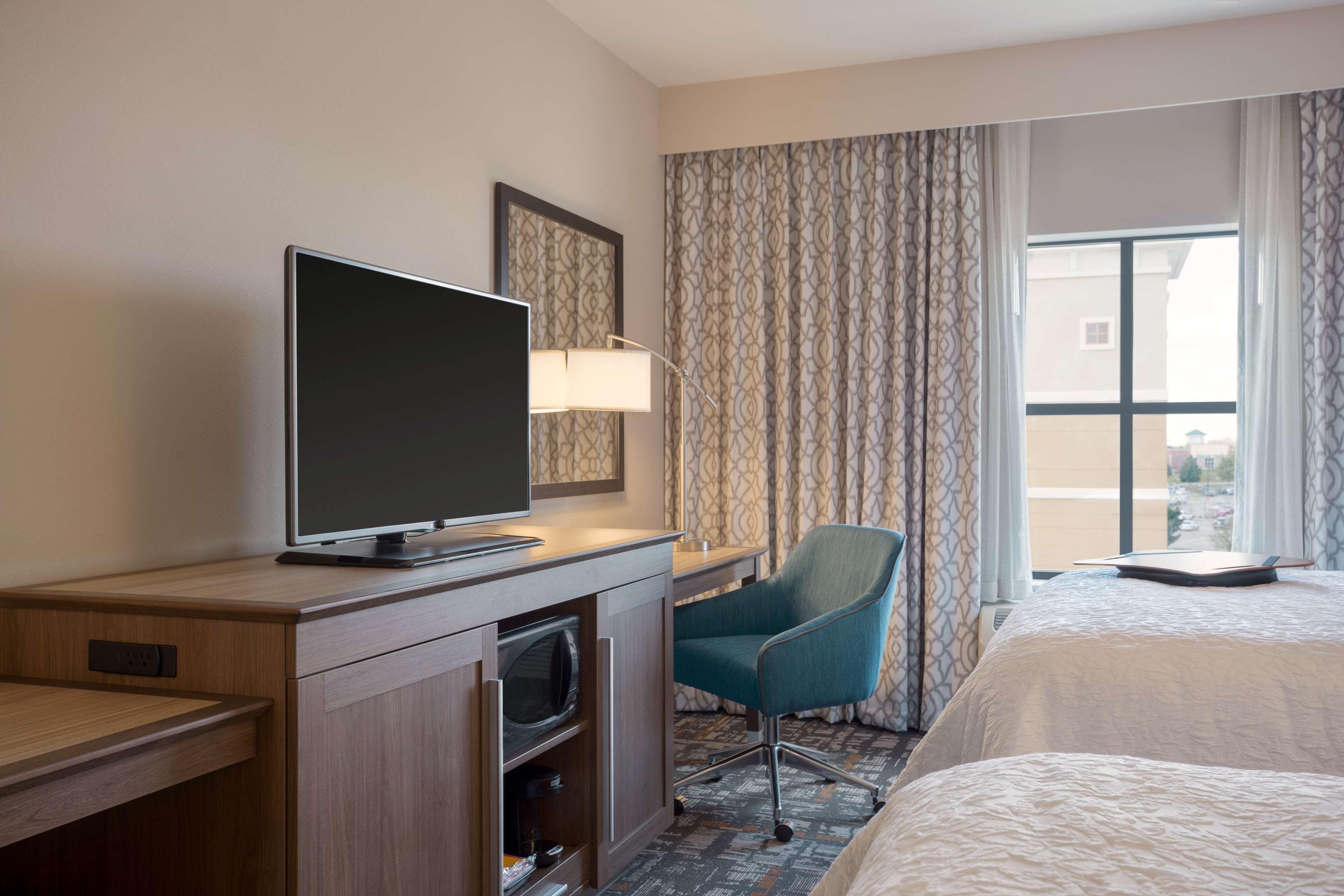 Hampton Inn & Suites West Des Moines/SW Mall Area image 11
